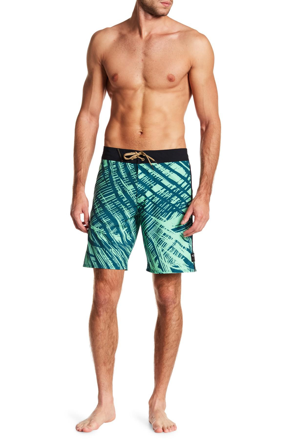 4ee4a25907 Oakley Samoa 19 Boardshorts in Green for Men - Lyst