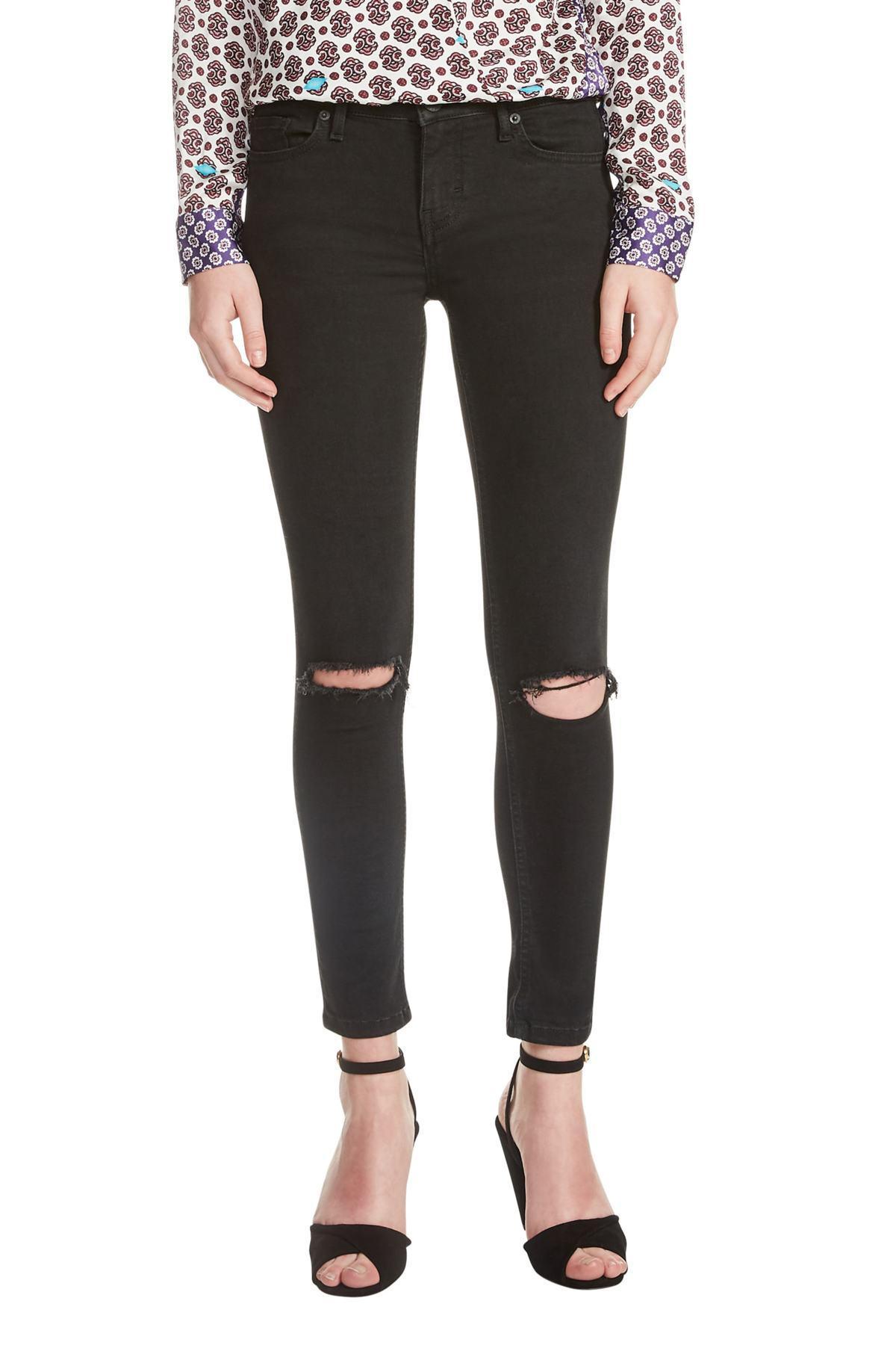 c1e362515f5 Lyst - Maje Priska Ripped Bee Embroidery Black Skinny Jeans in Black