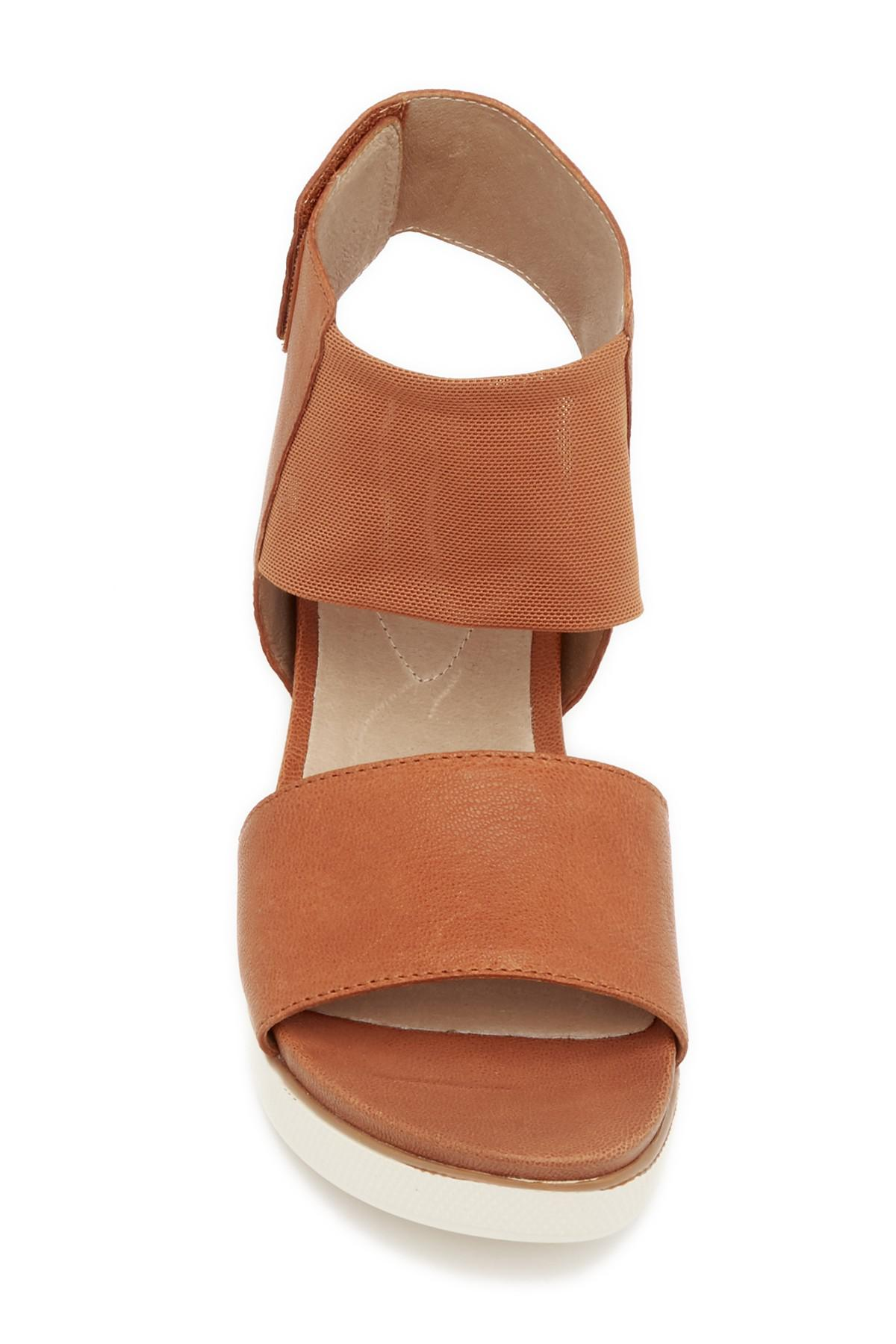 1d908160df54 Gallery. Previously sold at  Nordstrom Rack · Women s Eileen Fisher Platform  ...