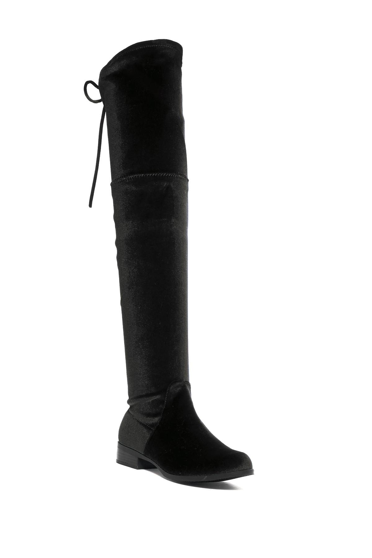 Steve Madden outfits men and women with the season's must-have styles in designer-quality footwear, leather goods and fashion accessories. Choose from riding boots, espadrilles and sneakers to save big as an email member.