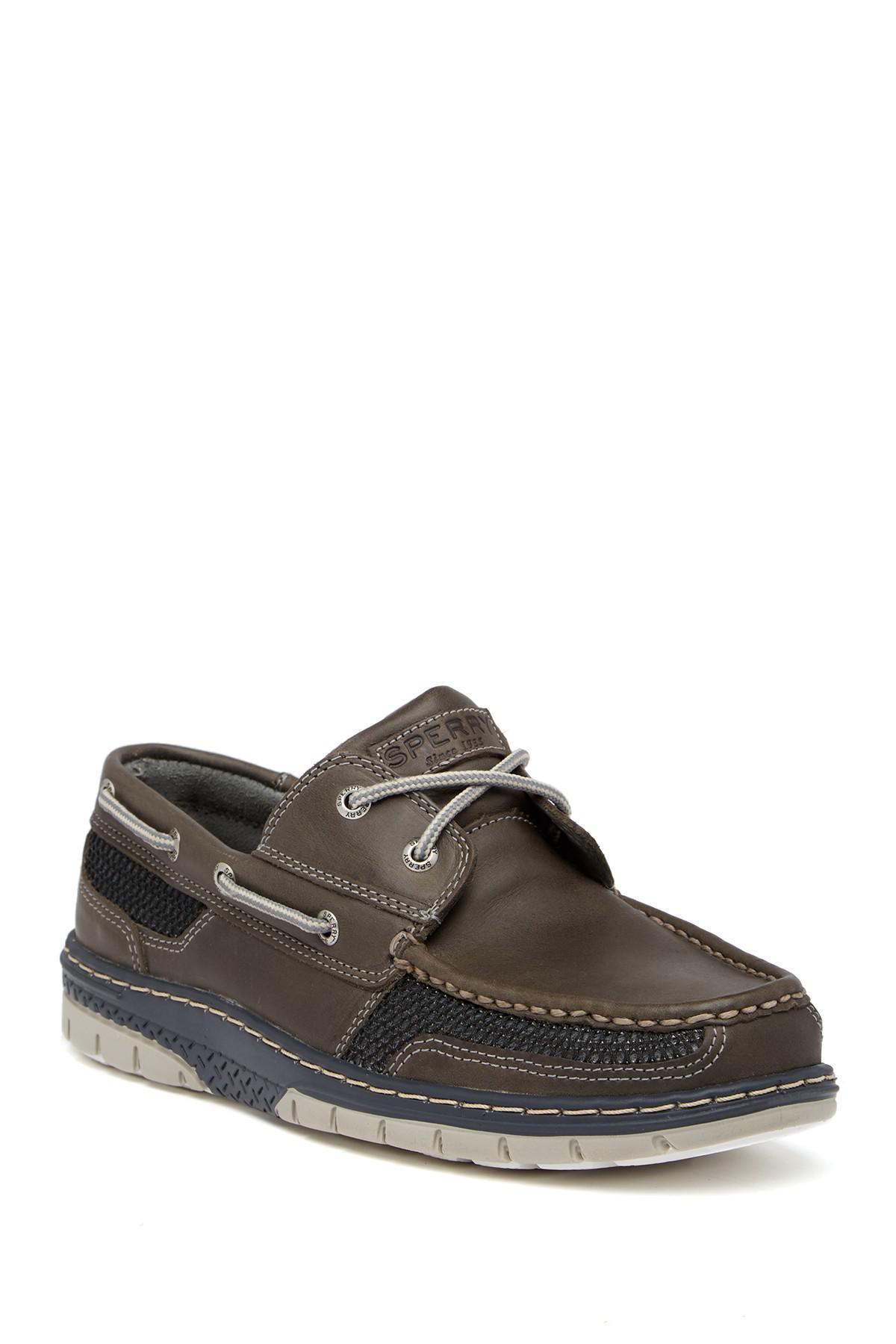 The Dockers® Vargas Boat Shoes are classic hand sewn shoes crafted from rich leather. The upper is made of soft genuine construction. The boat shoes feature patterned chambray linings and have a cushioned EVA foot bed with molded heel cup.