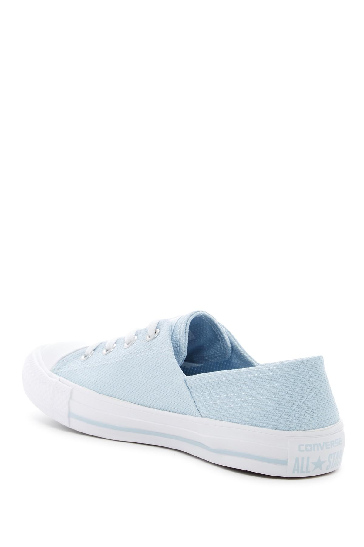 22472b3074f Gallery. Previously sold at  Nordstrom Rack · Women s Converse Chuck Taylor  ...