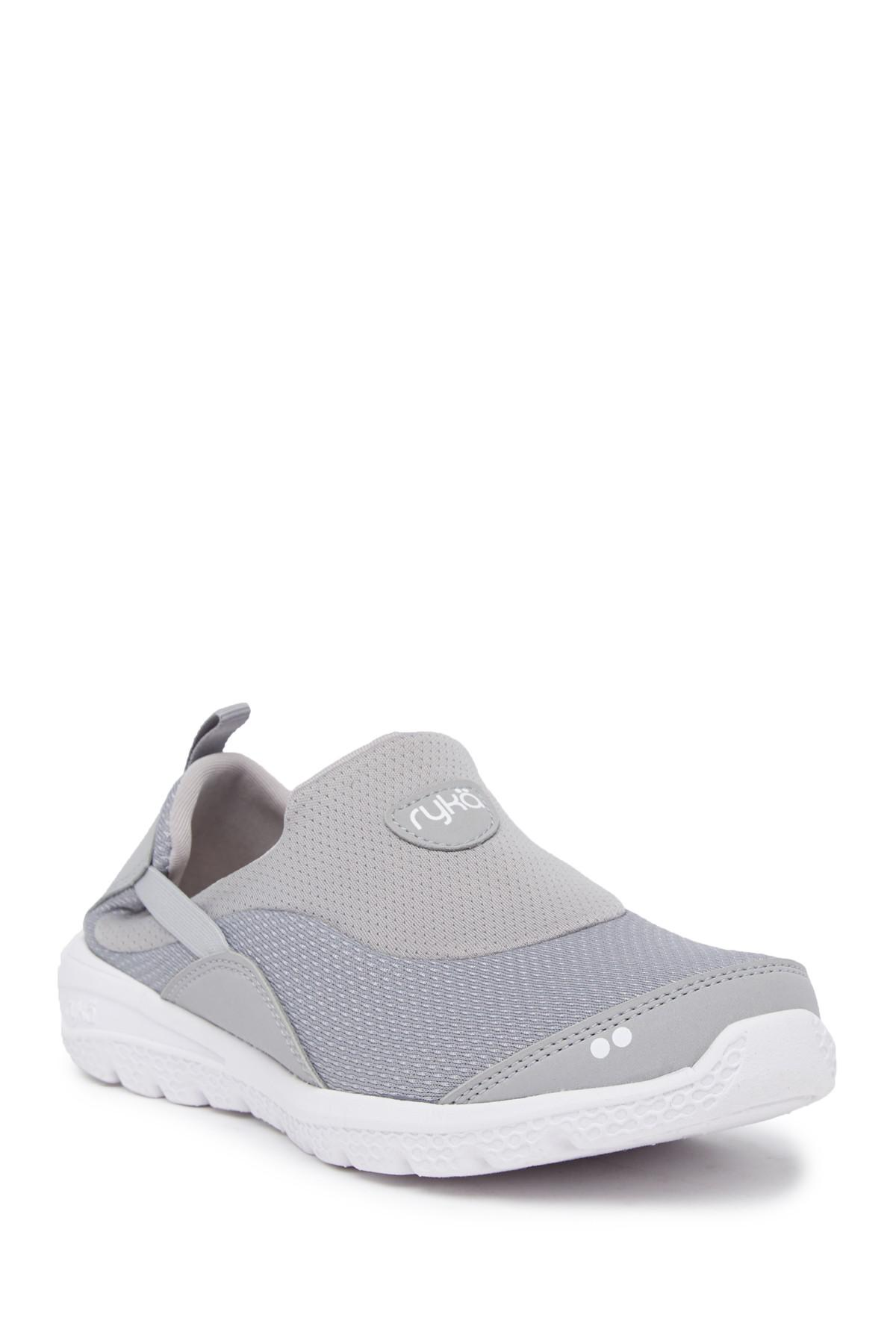 Ryka Helena Slip-On Sneaker ax7z1