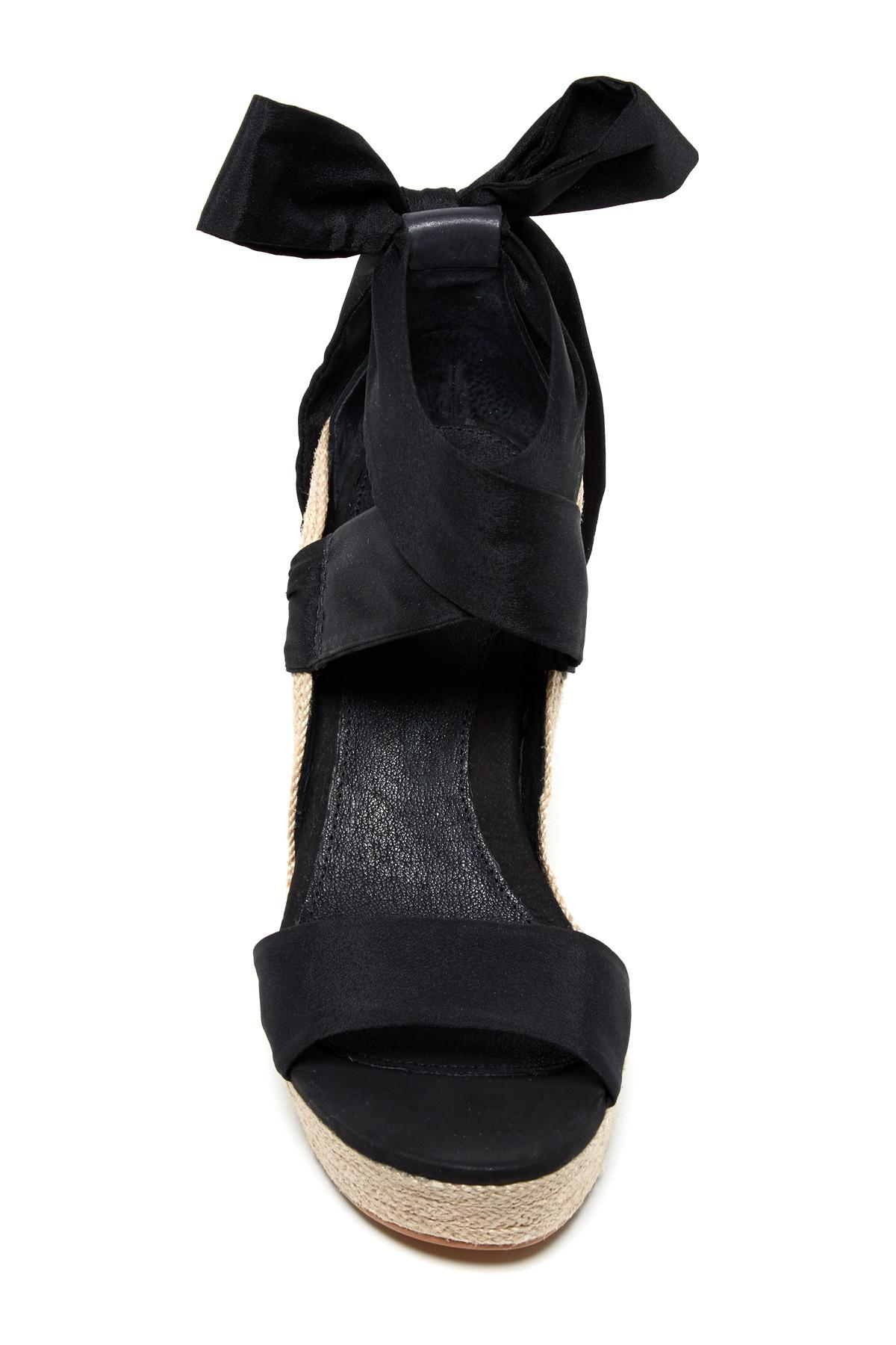 a5a10a9eac UGG Jules Platform Wedge Sandal in Black - Lyst