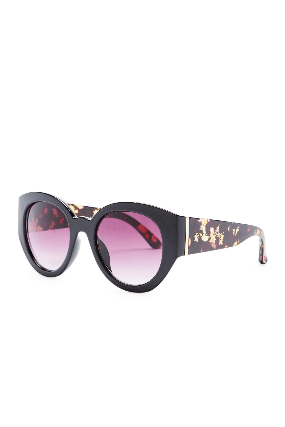 8e7833780f19e Gallery. Previously sold at  Nordstrom Rack · Women s Cat Eye Sunglasses ...