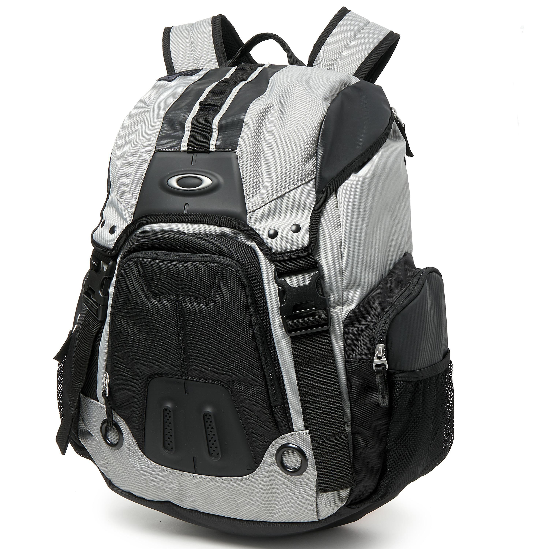 3b1e399ffa Oakley Blade Wet Dry 30 Backpack « One More Soul
