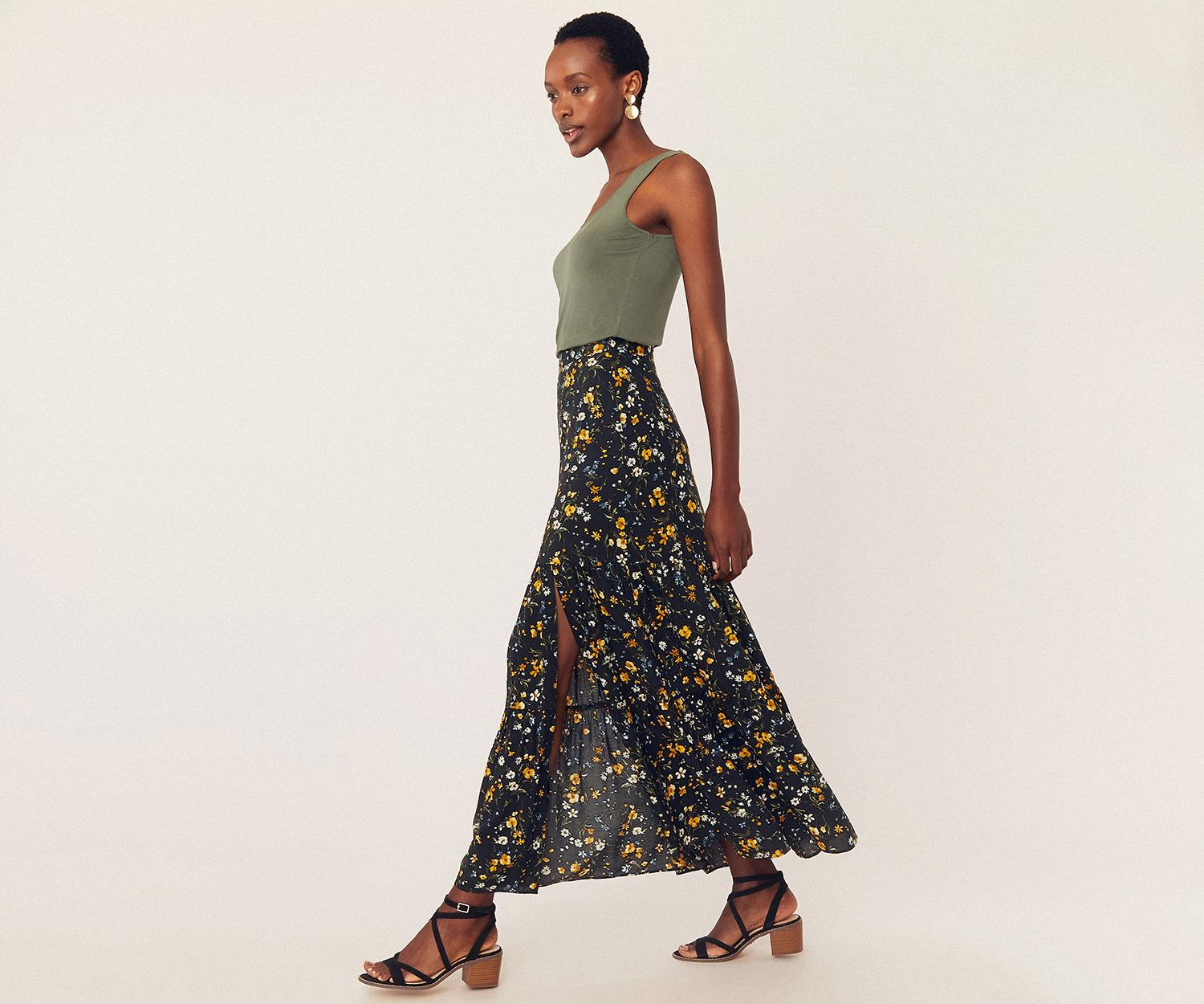 65ef4e30f7d2 Oasis Ditsy Tiered Maxi Skirt in Black - Lyst