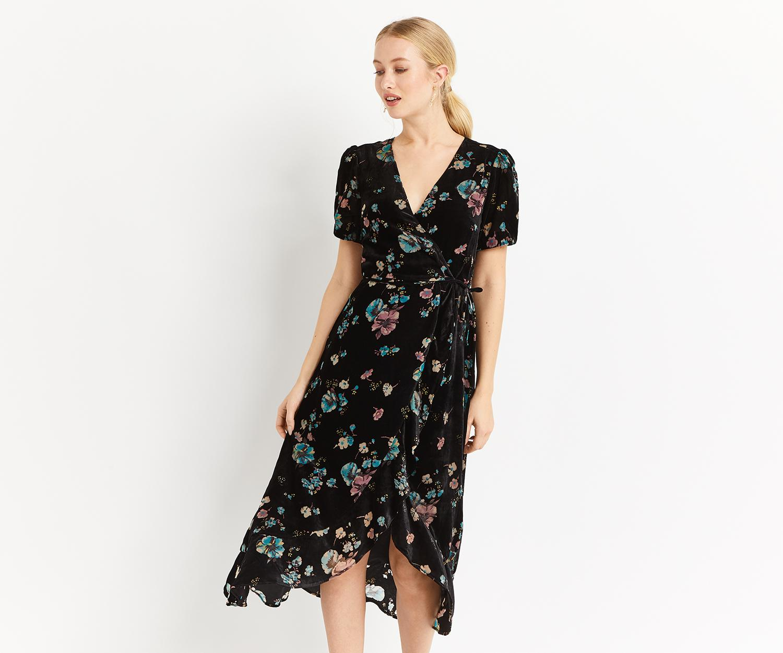 c2062a3417ce Oasis Velvet Rosetti Midi Dress in Black - Lyst