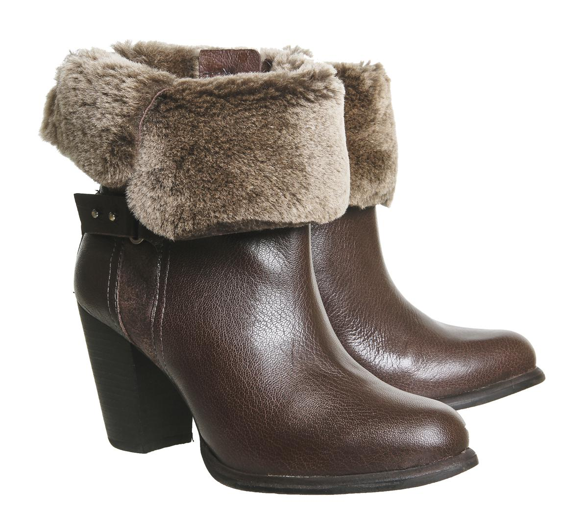 28c91d58449 Lyst - UGG Jayne Heeled Boots in Natural