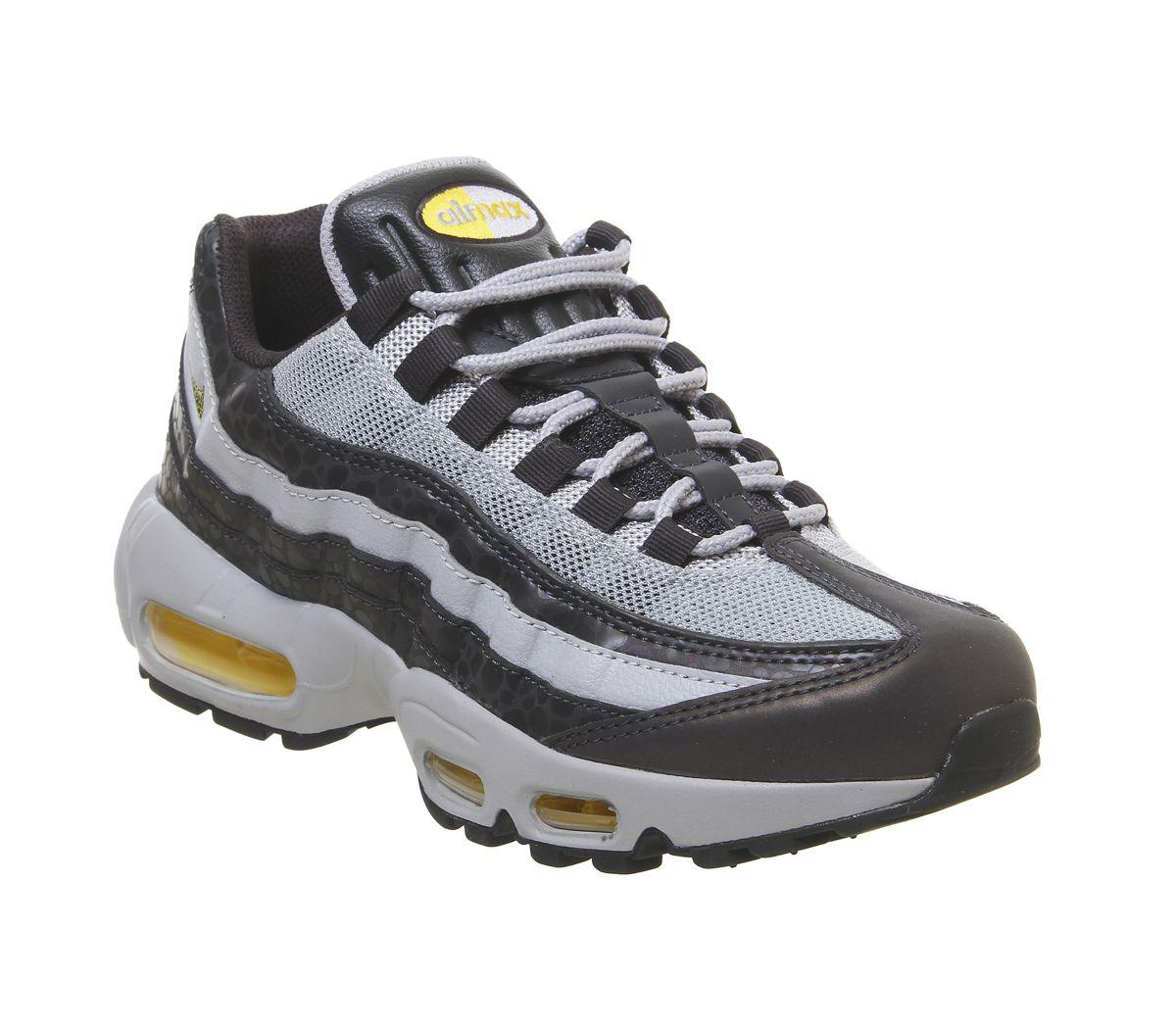 half off 1012e 0b336 Nike. Men s Gray Air Max ...