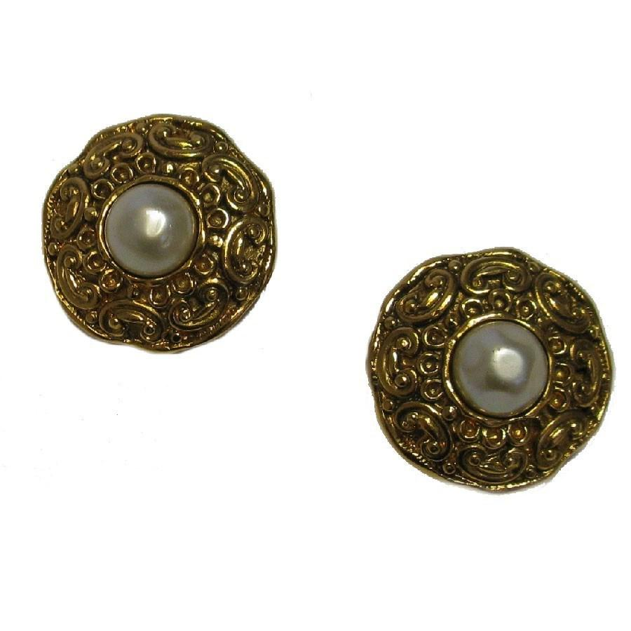 0978f453235805 Lyst - Chanel Vintage Clip-on Earrings In Gilt Metal And Pearly Bead ...