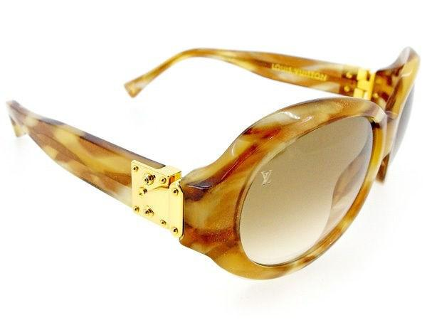 787c5e0b1263 Gallery. Previously sold at  Reebonz · Women s Small Cat Eye Sunglasses ...