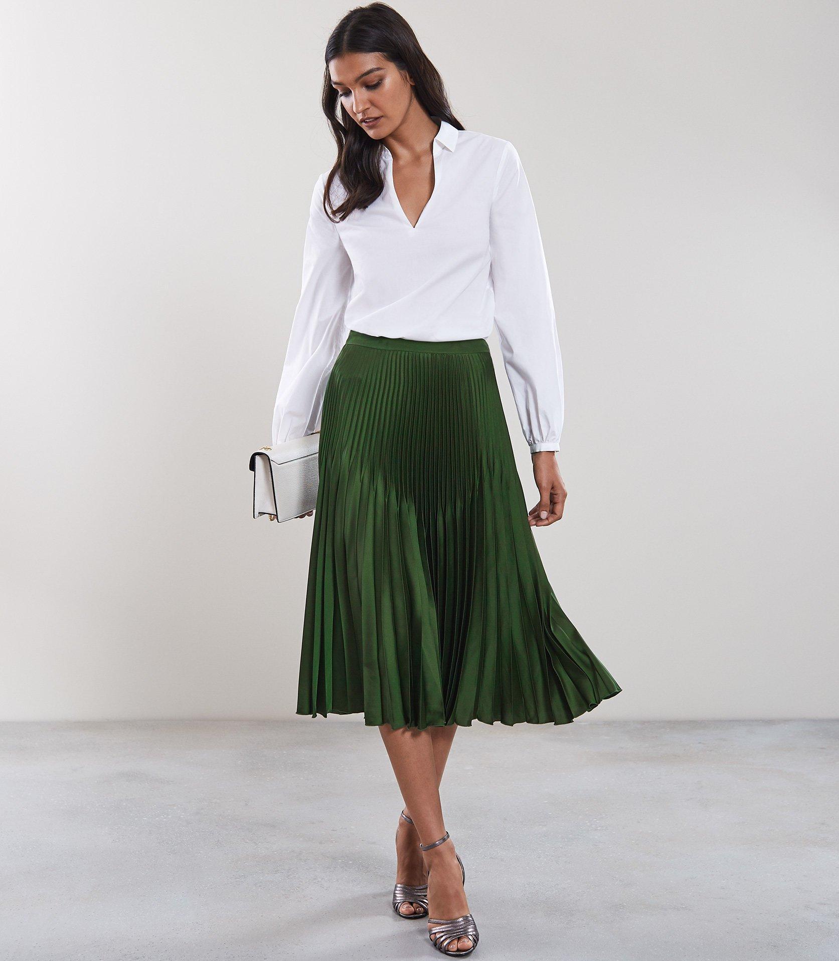 886cd6c72 Reiss Isidora - Knife Pleat Skirt in Green - Lyst