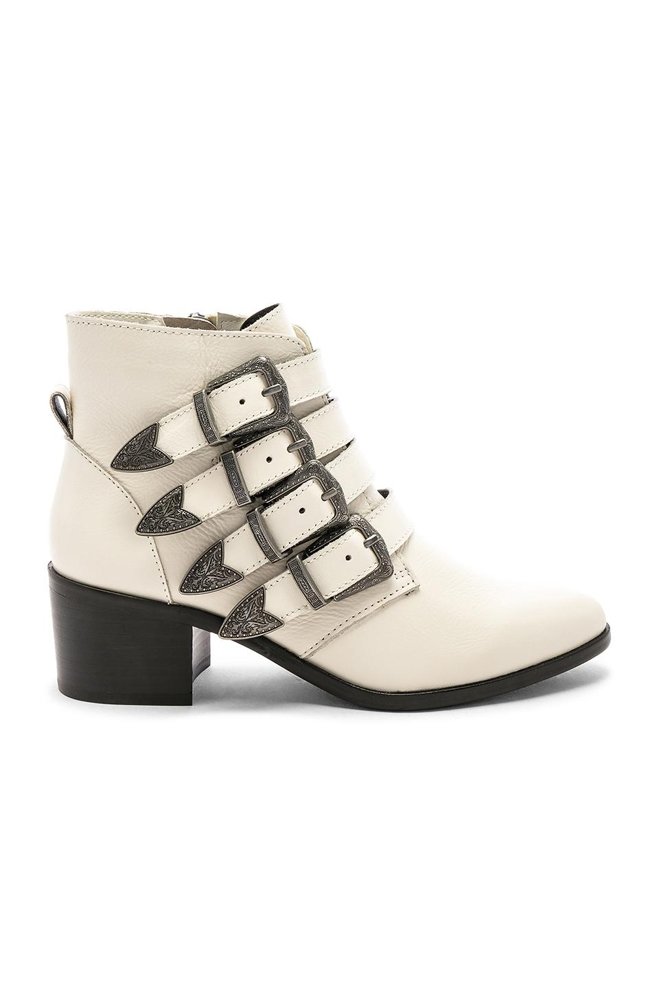 b096021e16a Lyst - Steve Madden Billey Bootie in White - Save 62%