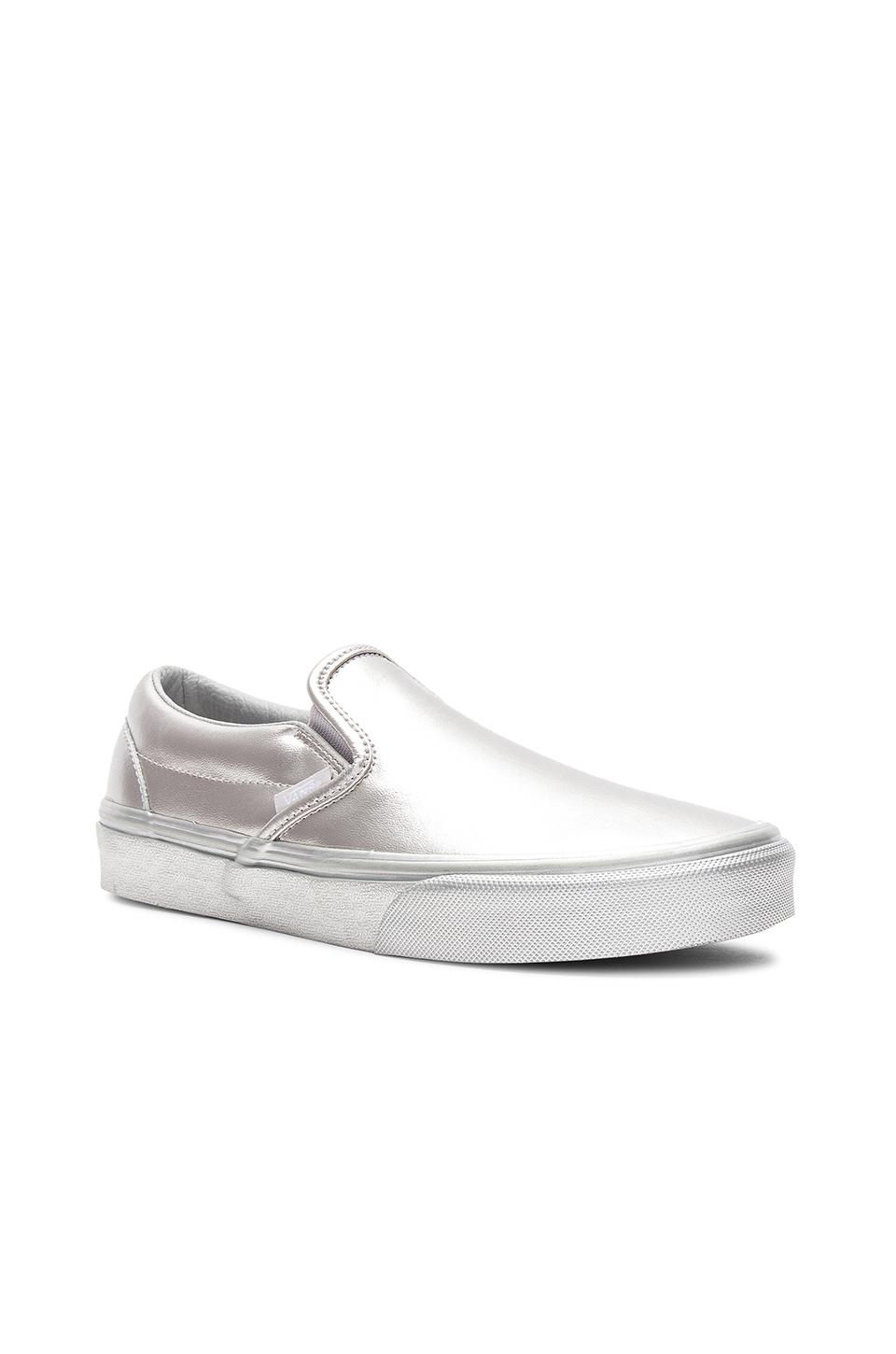 3a97dbbe4dd80 Vans Classic Slip-on Women's Shoes (trainers) In Silver in Metallic ...
