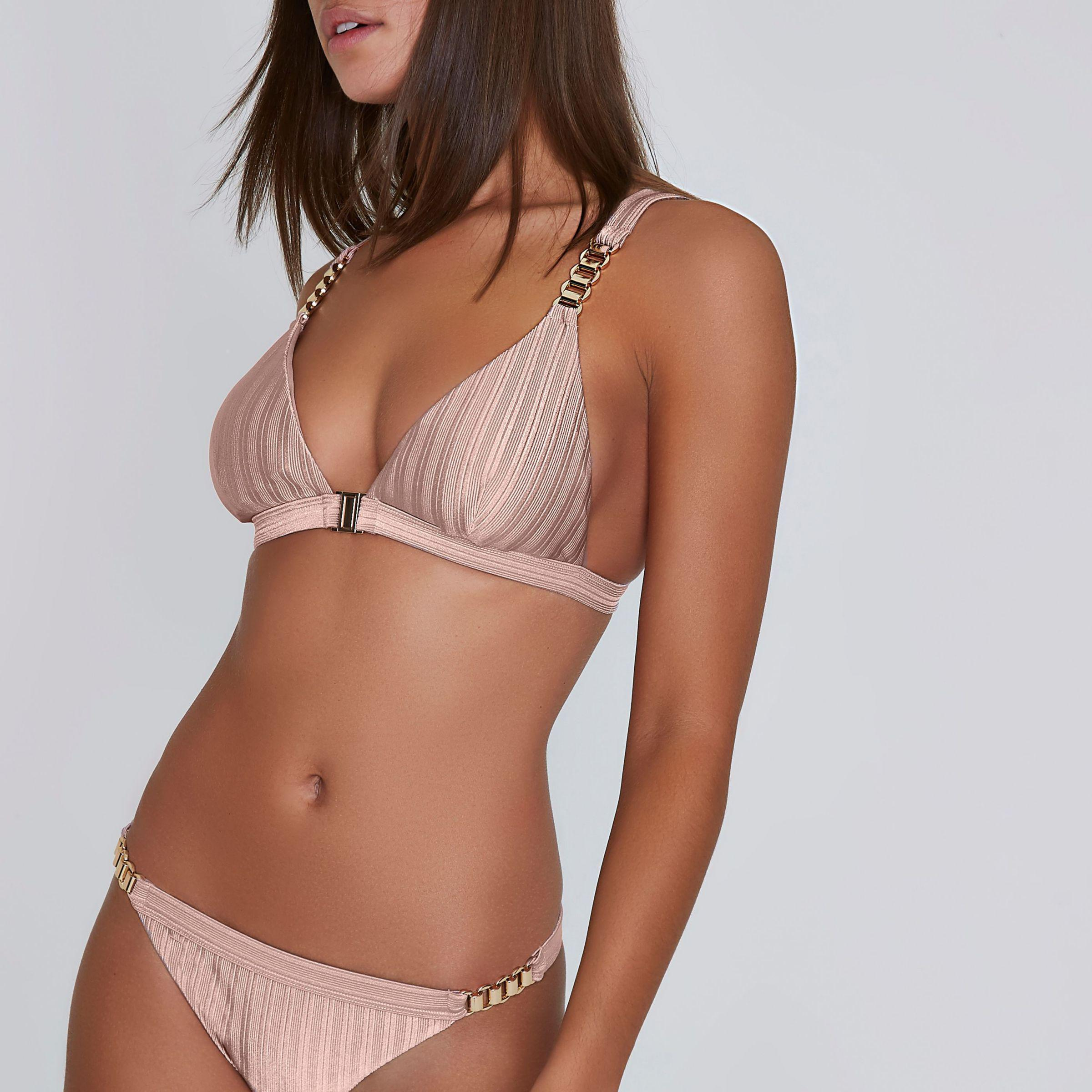 39595ce37bca7 Lyst - River Island Light Ribbed Chain Triangle Bikini Top in Pink