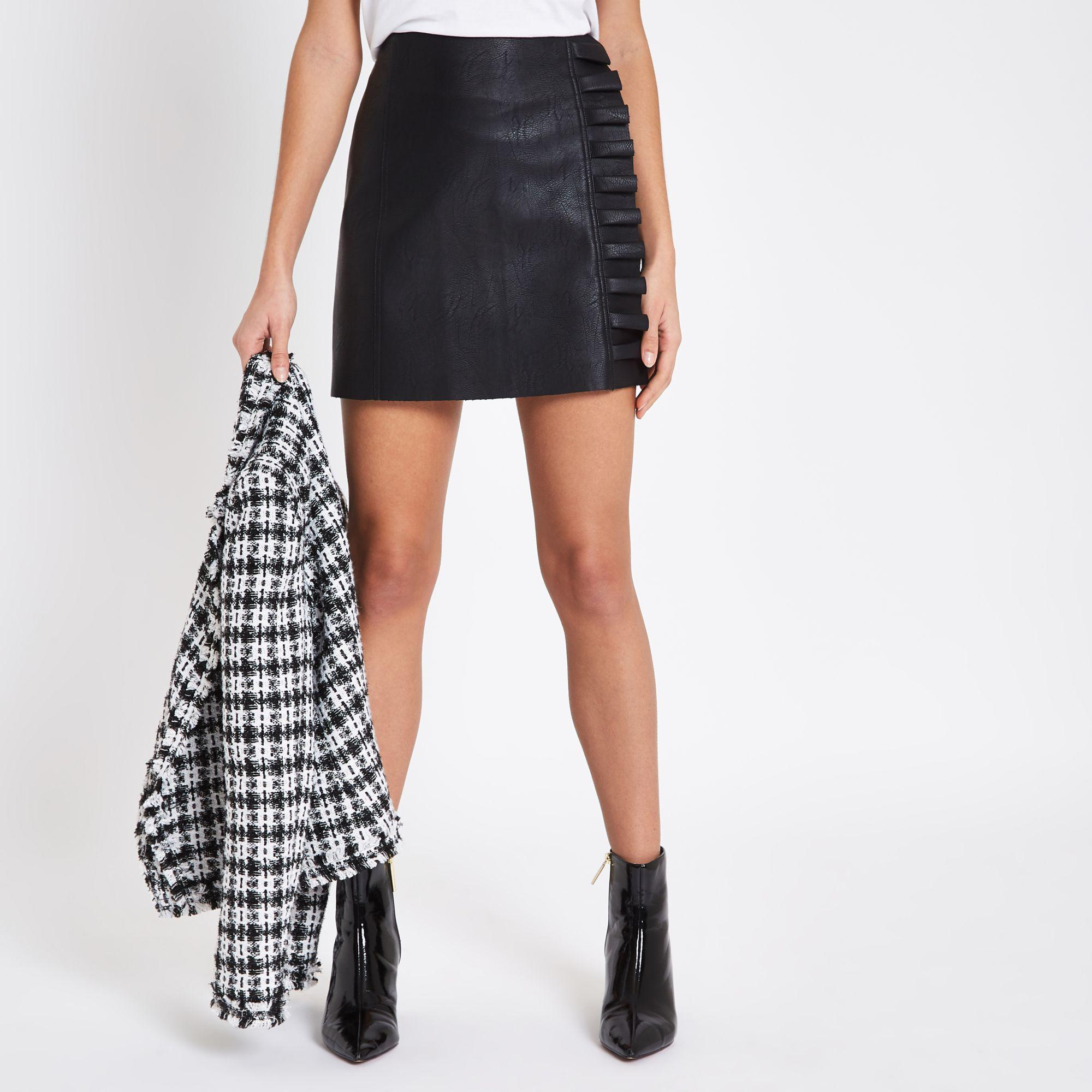 66d38e2b28 River Island Faux Leather Frill Side Mini Skirt in Black - Lyst
