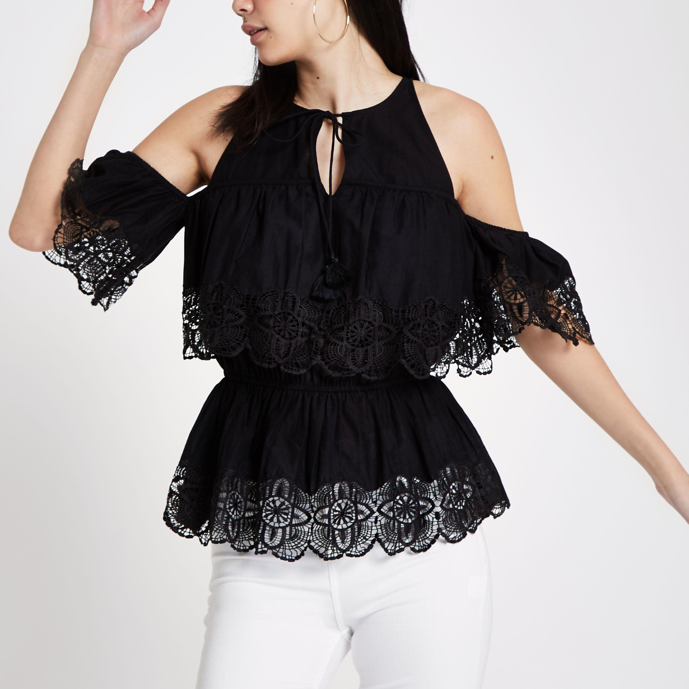 e7c9ec160ba0d Lyst - River Island Cold Shoulder Broderie Frill Top in Black
