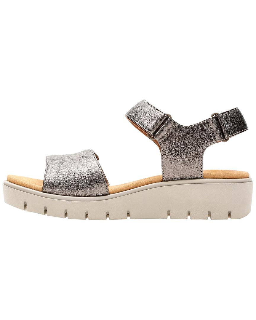 67e350e47759 Lyst - Clarks Unstructured Un Karely Bay Sandal in Metallic