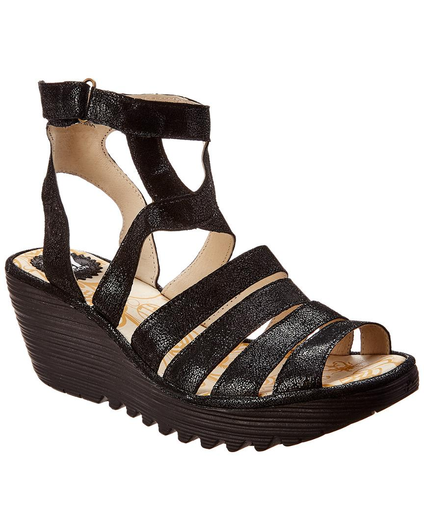 4eadf07b4cc6 Fly London Yeba Wedge Sandal in Black - Lyst