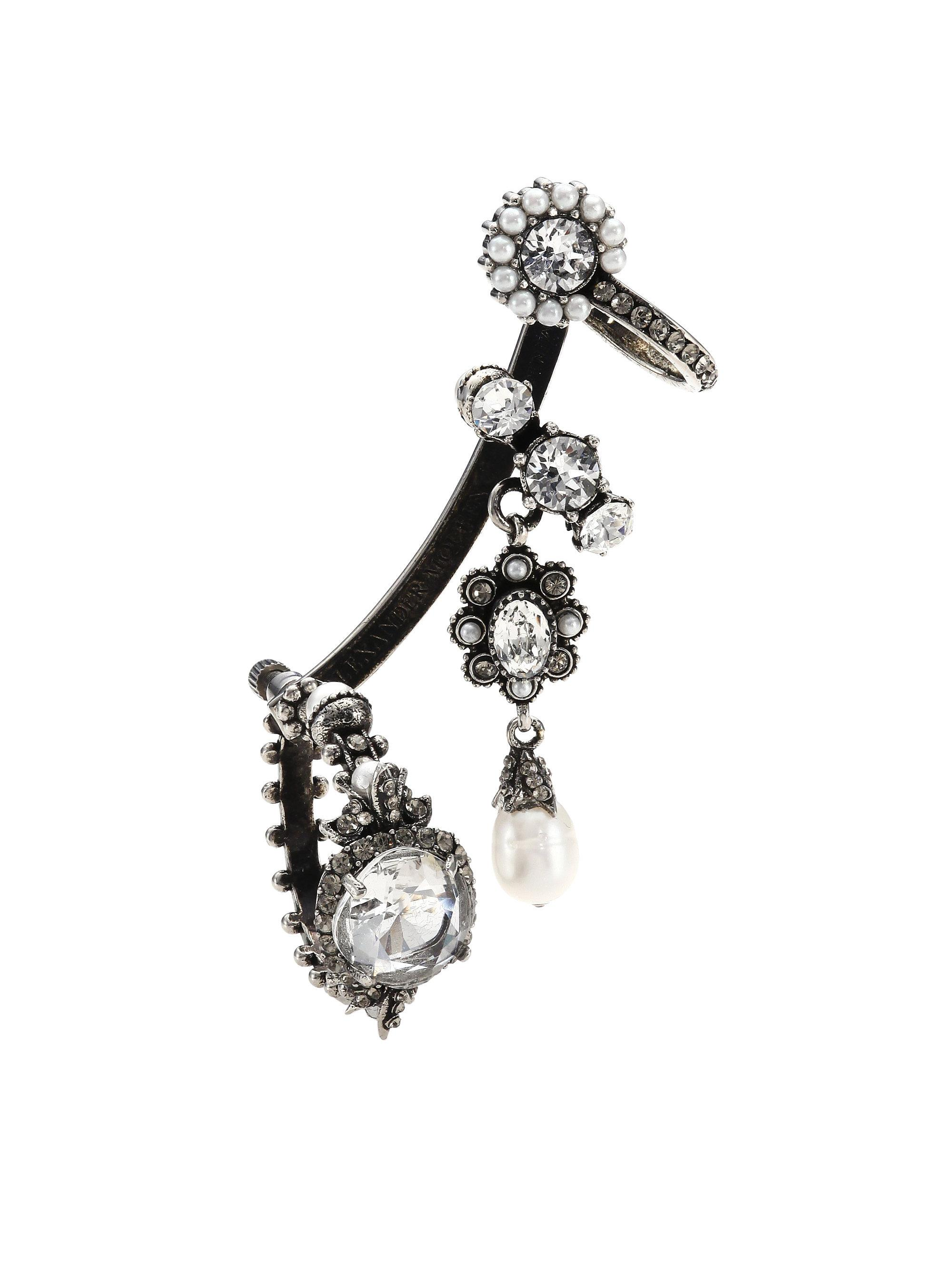 Alexander McQueen pearl crystal embellished earrings - Metallic AIBVQ021a