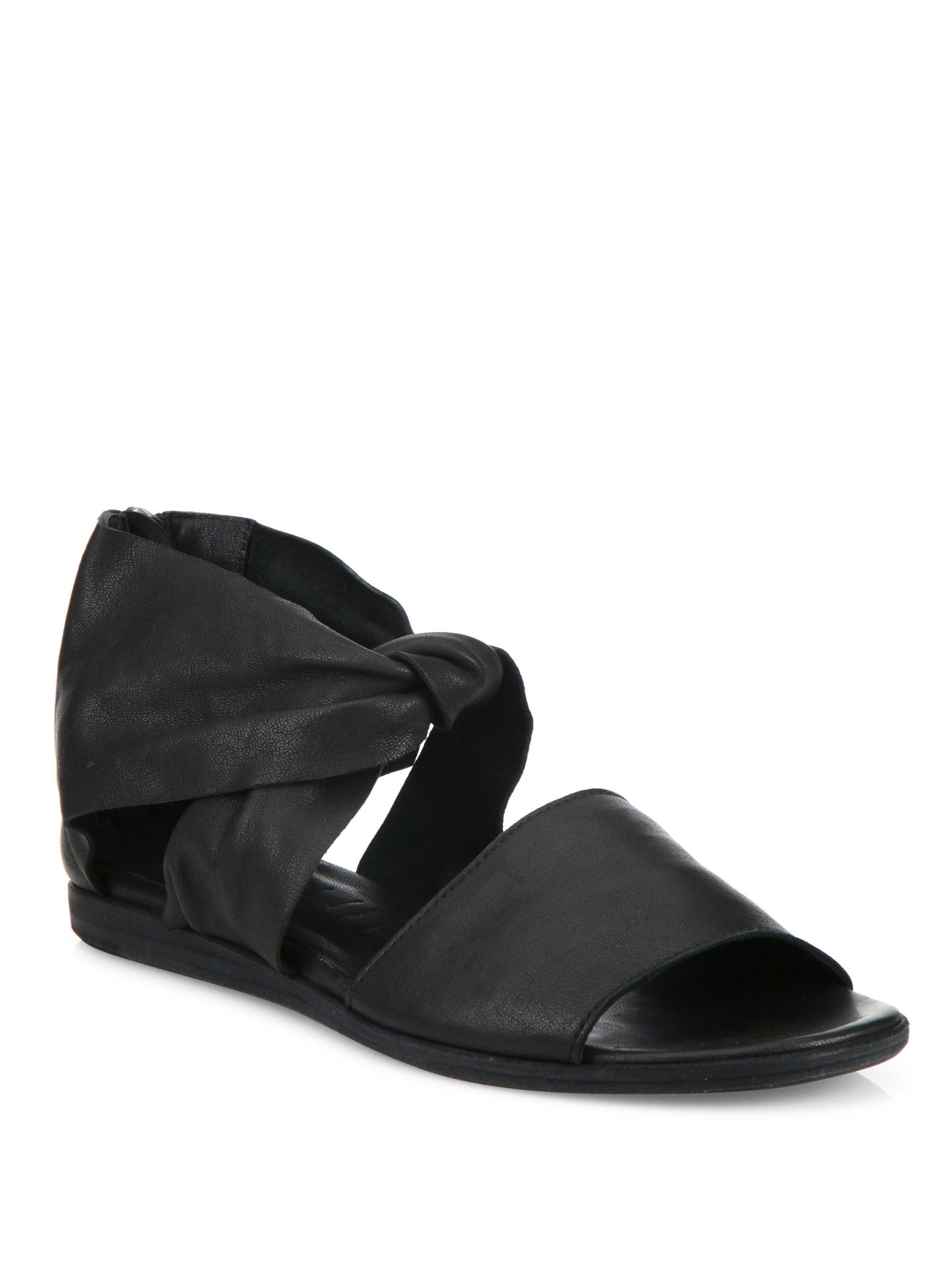 LD Tuttle The Warp Leather Flat Sandals HeDqPfWfCS