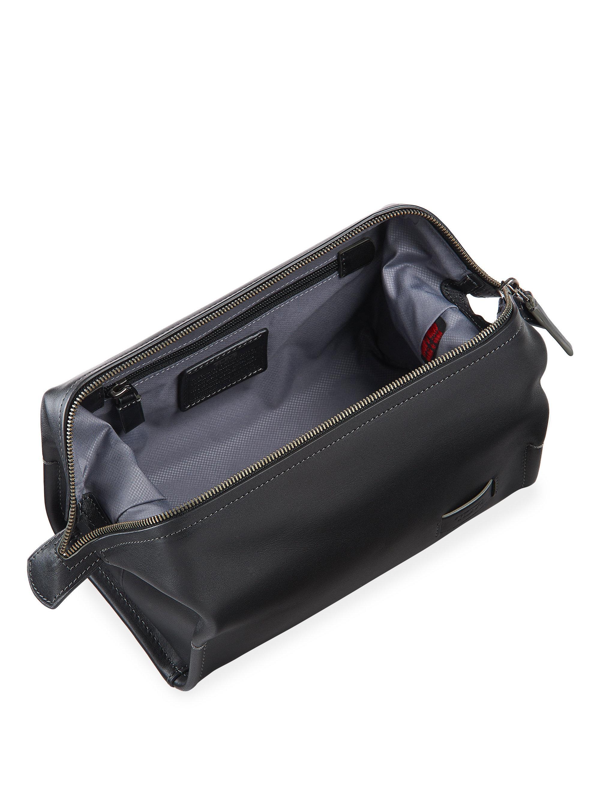 Tumi Harrison Brookside Leather Travel Kit in Black - Lyst
