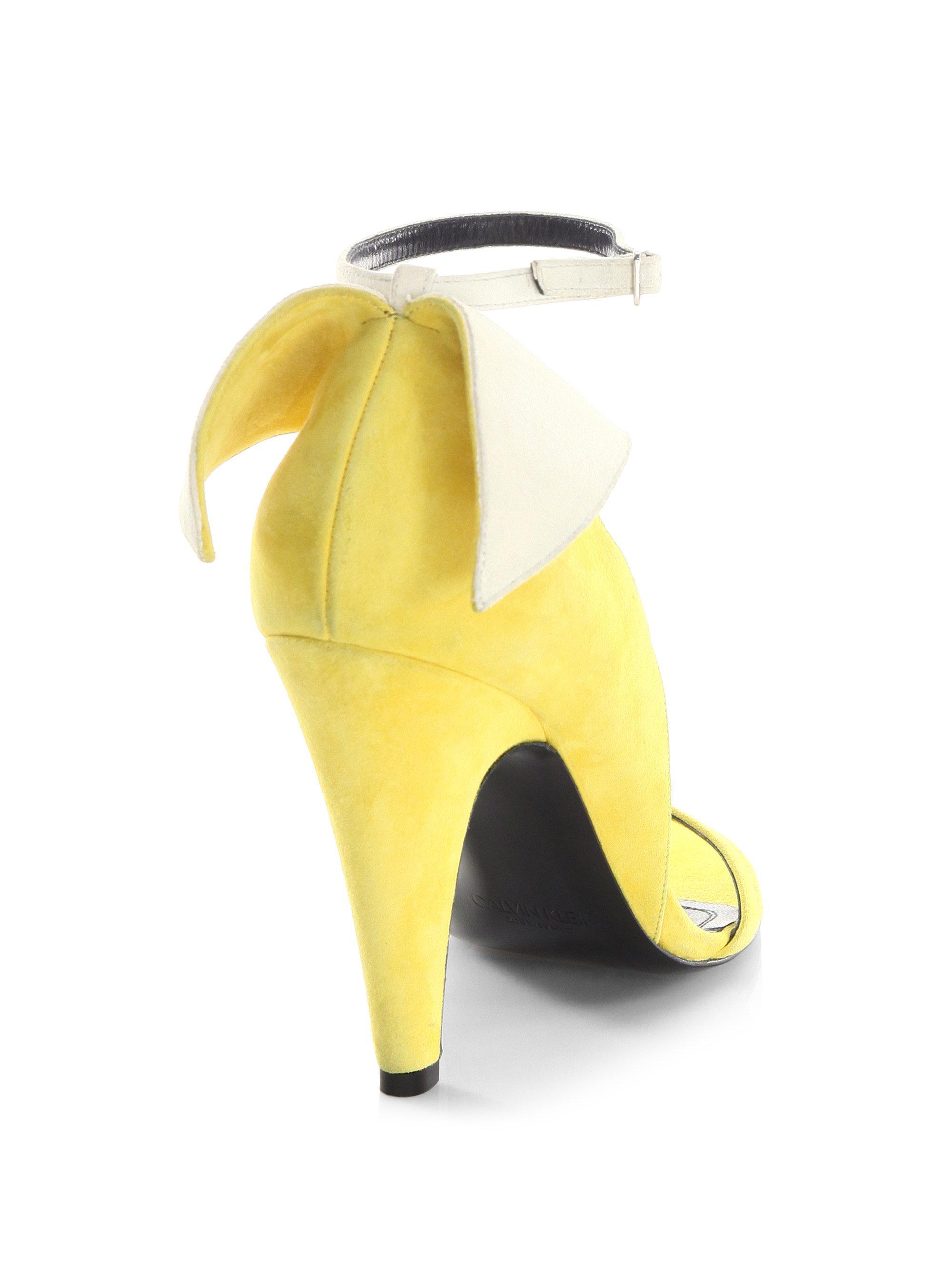 Calvin Klein Camrin Winged Suede Ankle-Strap Sandals 6iZY3w