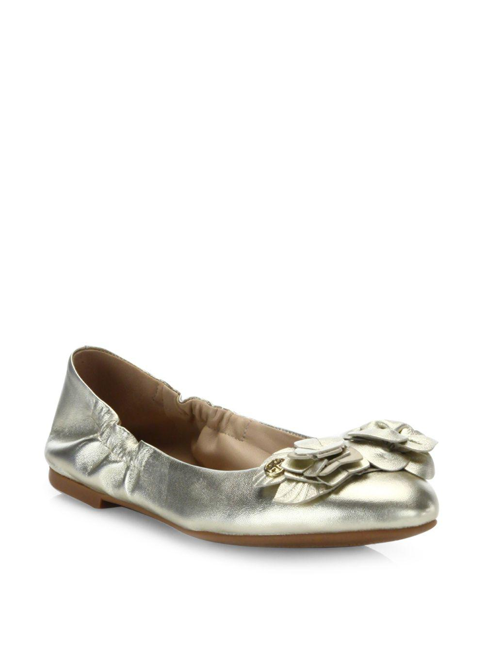 bdb3e9a1430 Lyst - Tory Burch Blossom Metallic Leather Ballet Flats in Metallic