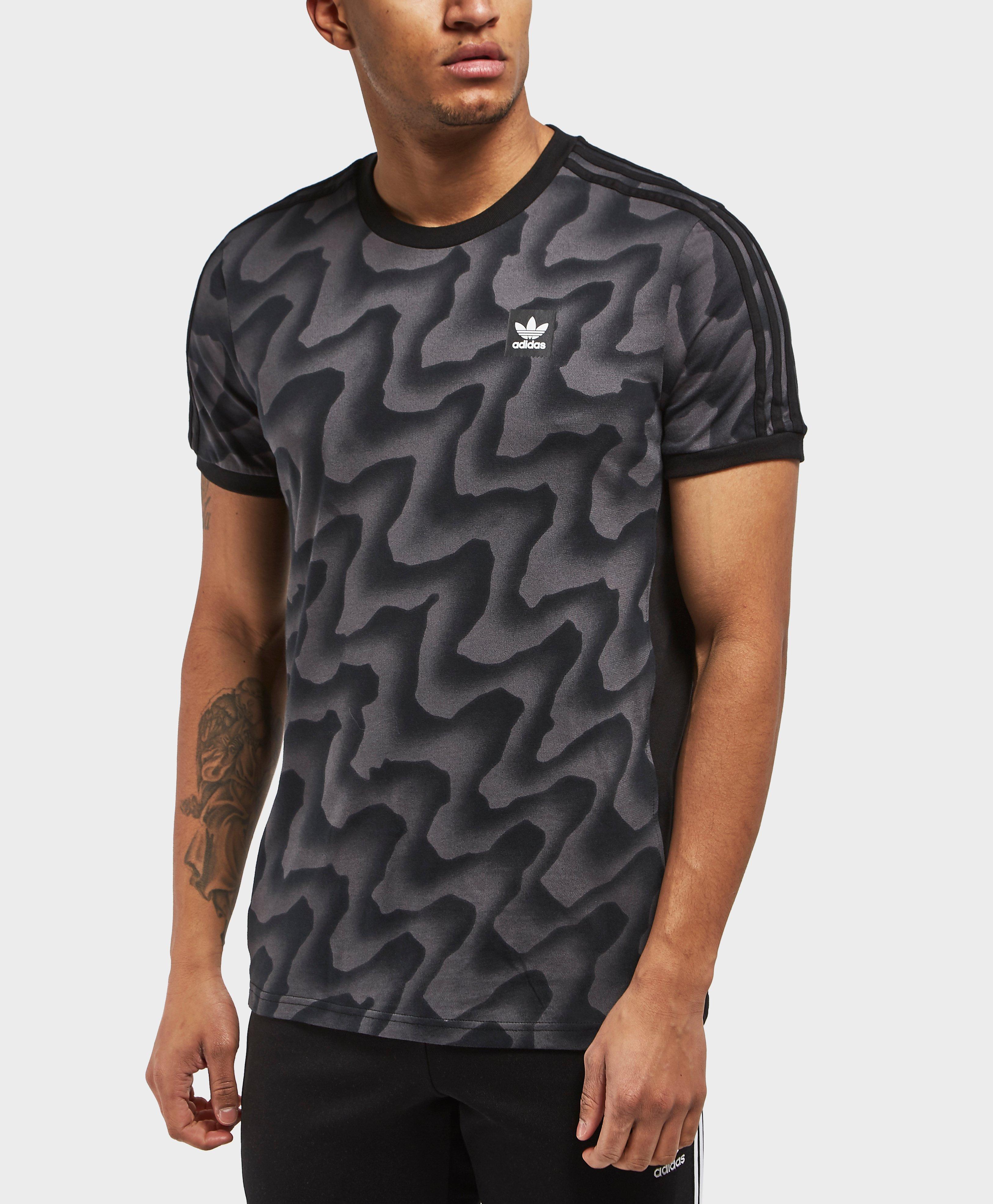 b7ea6952e8 adidas Originals Warp Print Short Sleeve T-shirt in Black for Men - Lyst