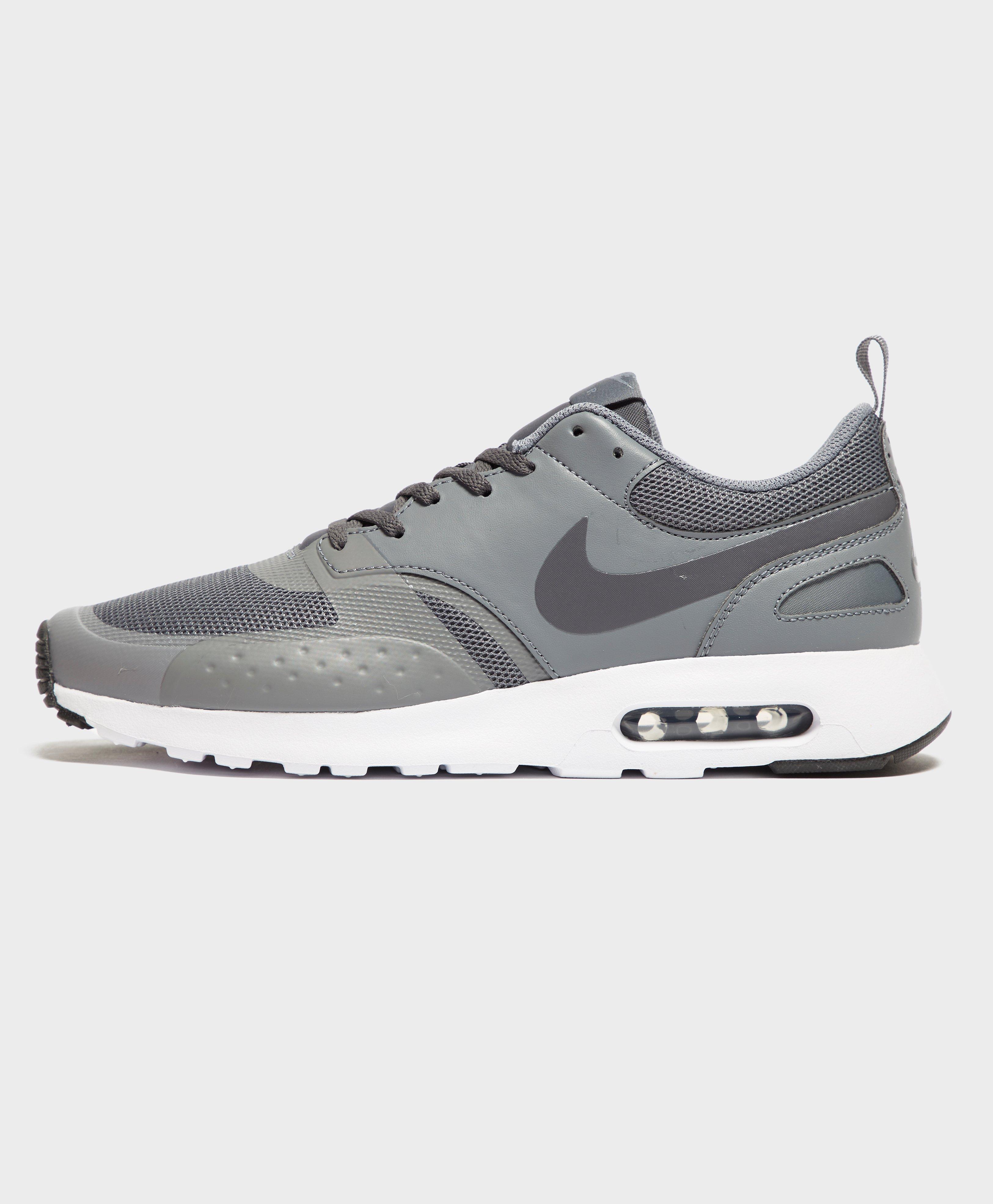 Nike. Men's Air Max Vision