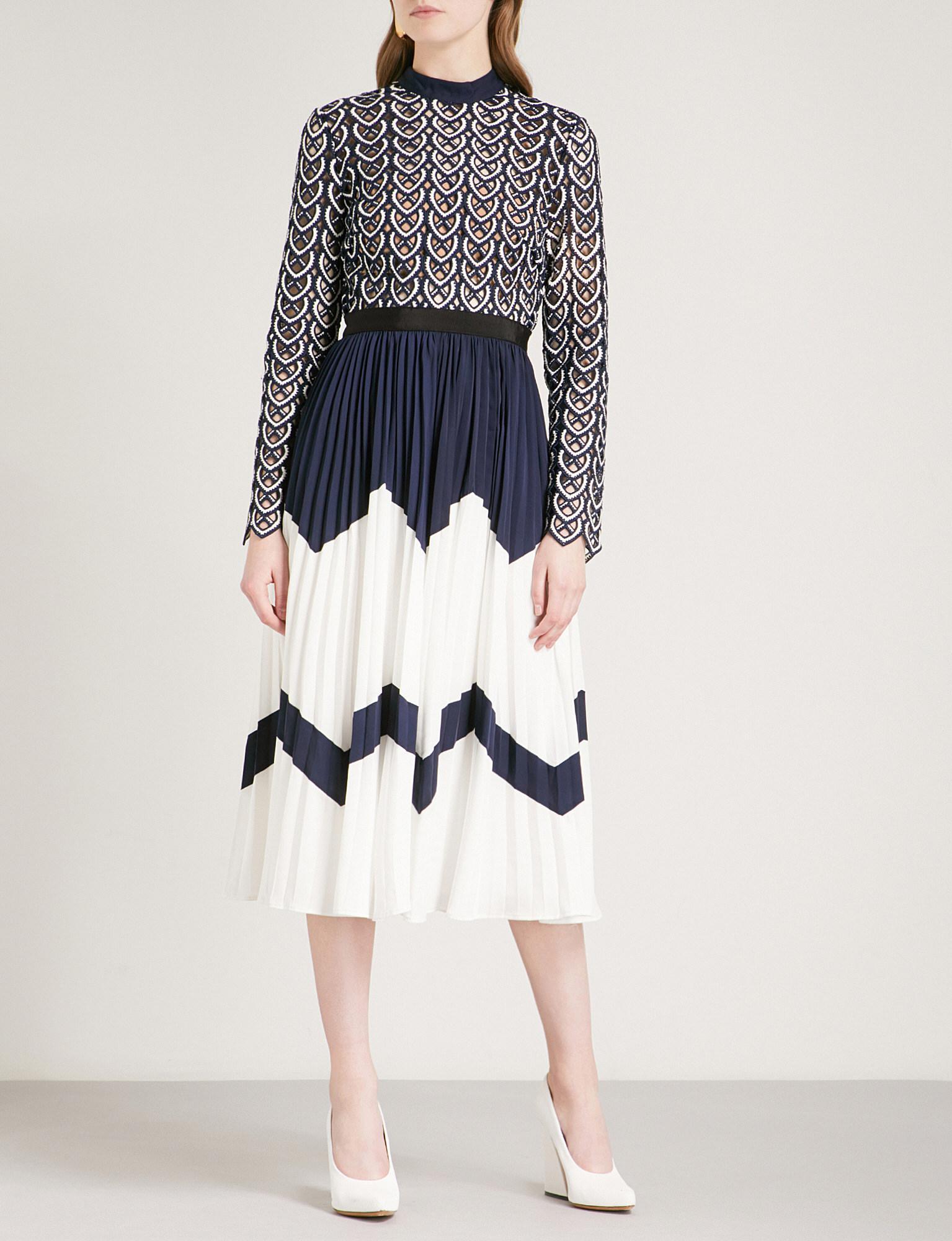75dfbdd69881 Self-Portrait Sweetheart Crochet Crochet-lace And Crepe Midi Dress ...
