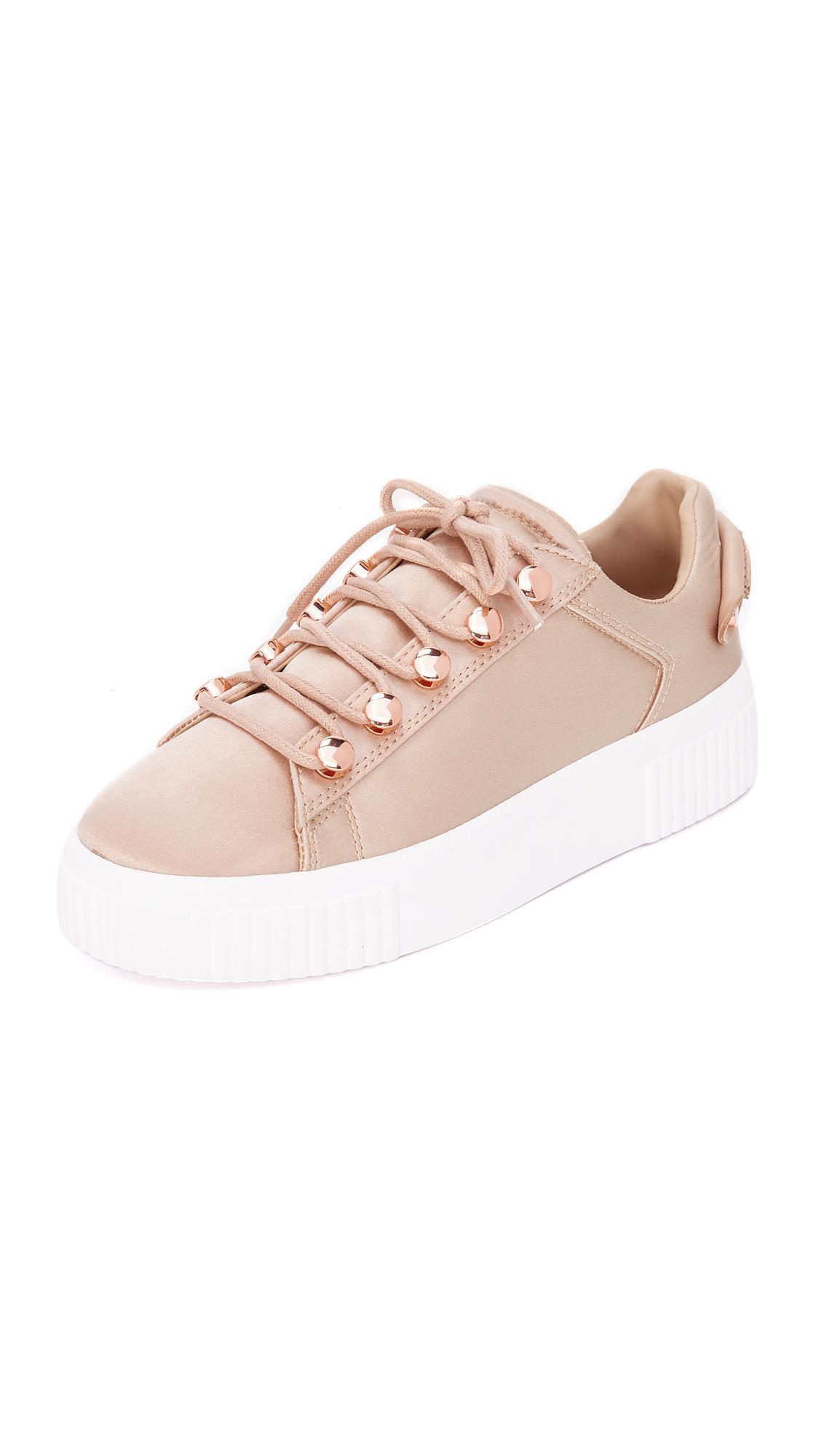 KENDALL + KYLIE Rae3 Satin Platform Sneakers sX4eKGP