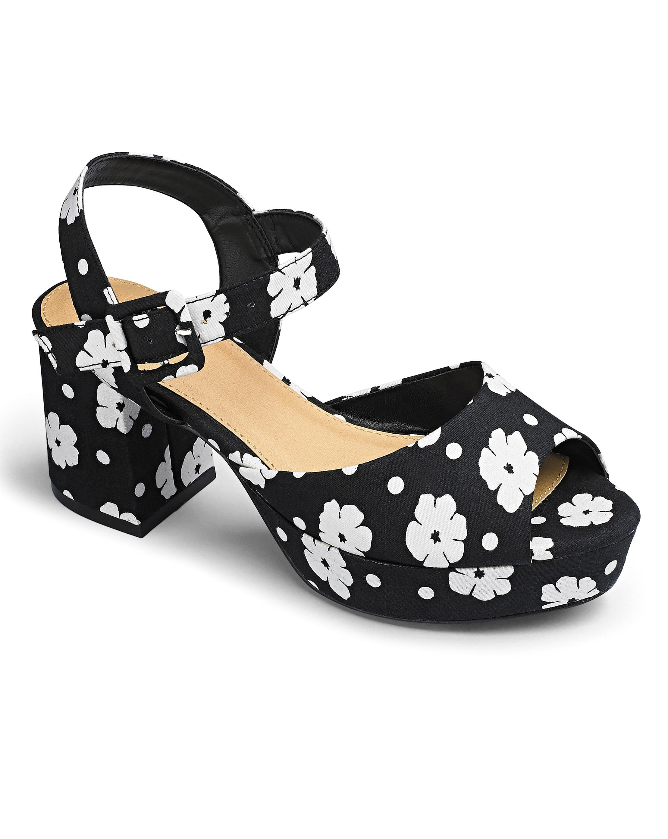 c4ff09ce6 Lyst - Simply Be Sole Diva Block Heel Sandals in Black