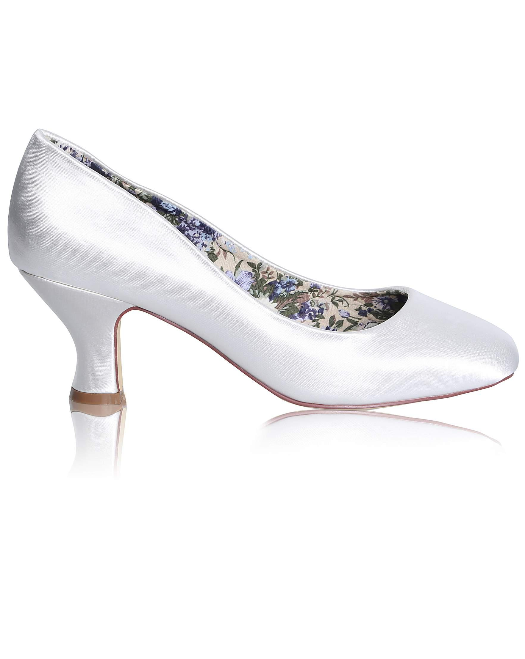 d5fa05a0245 Nine West Perfect Mable Wide Fit Satin Low Court in White - Lyst
