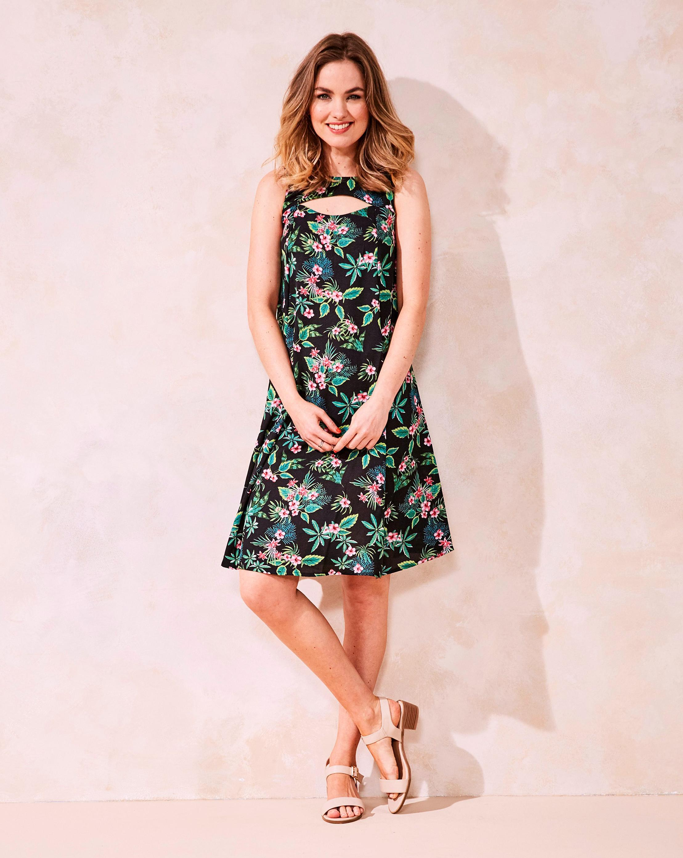 a7ca3291648d Lyst - Simply Be Green Tropical Print Cut Out Neck Swing Dress in Green