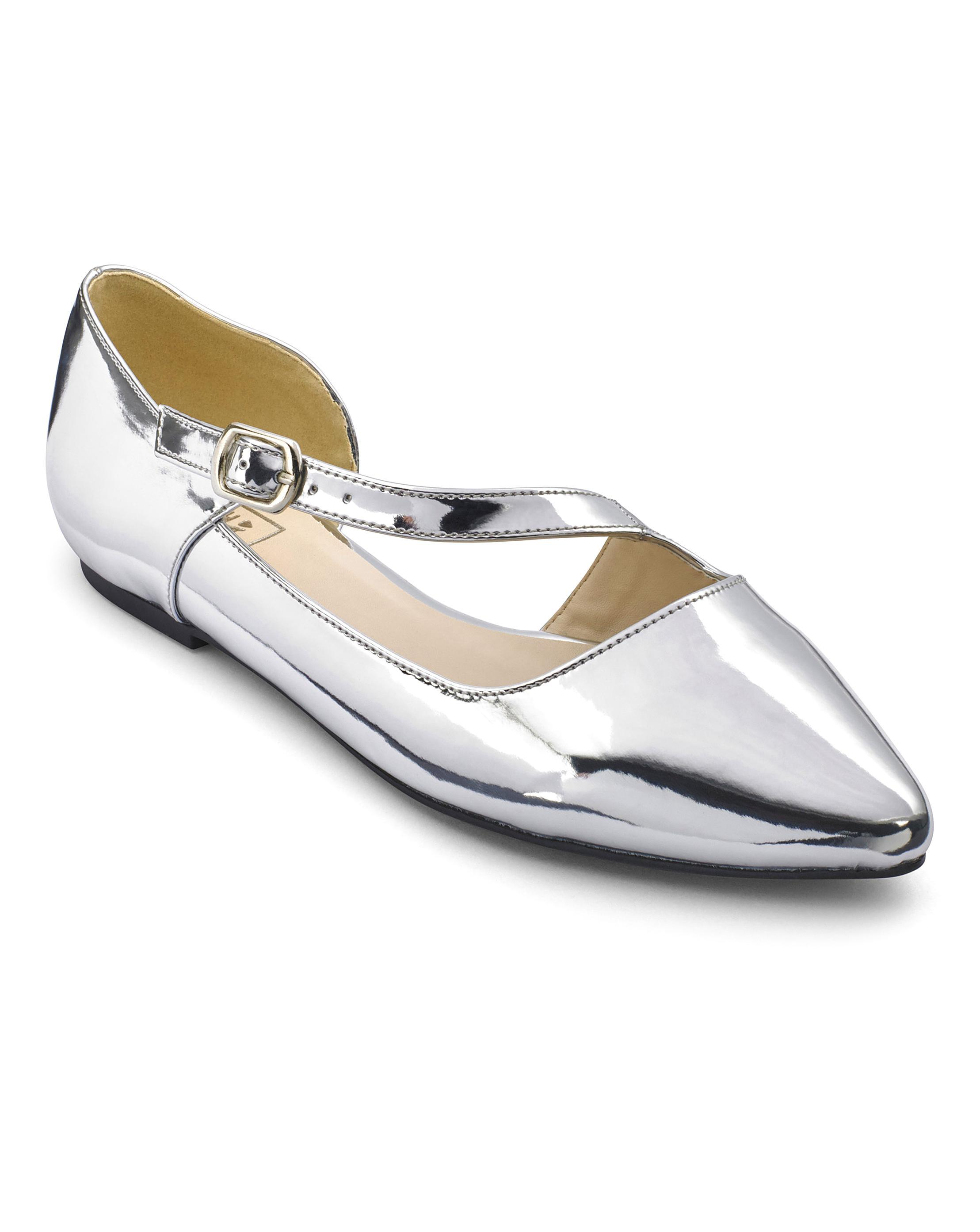 Womens Sole Diva Knot Detail Slip On Pumps Simply Be