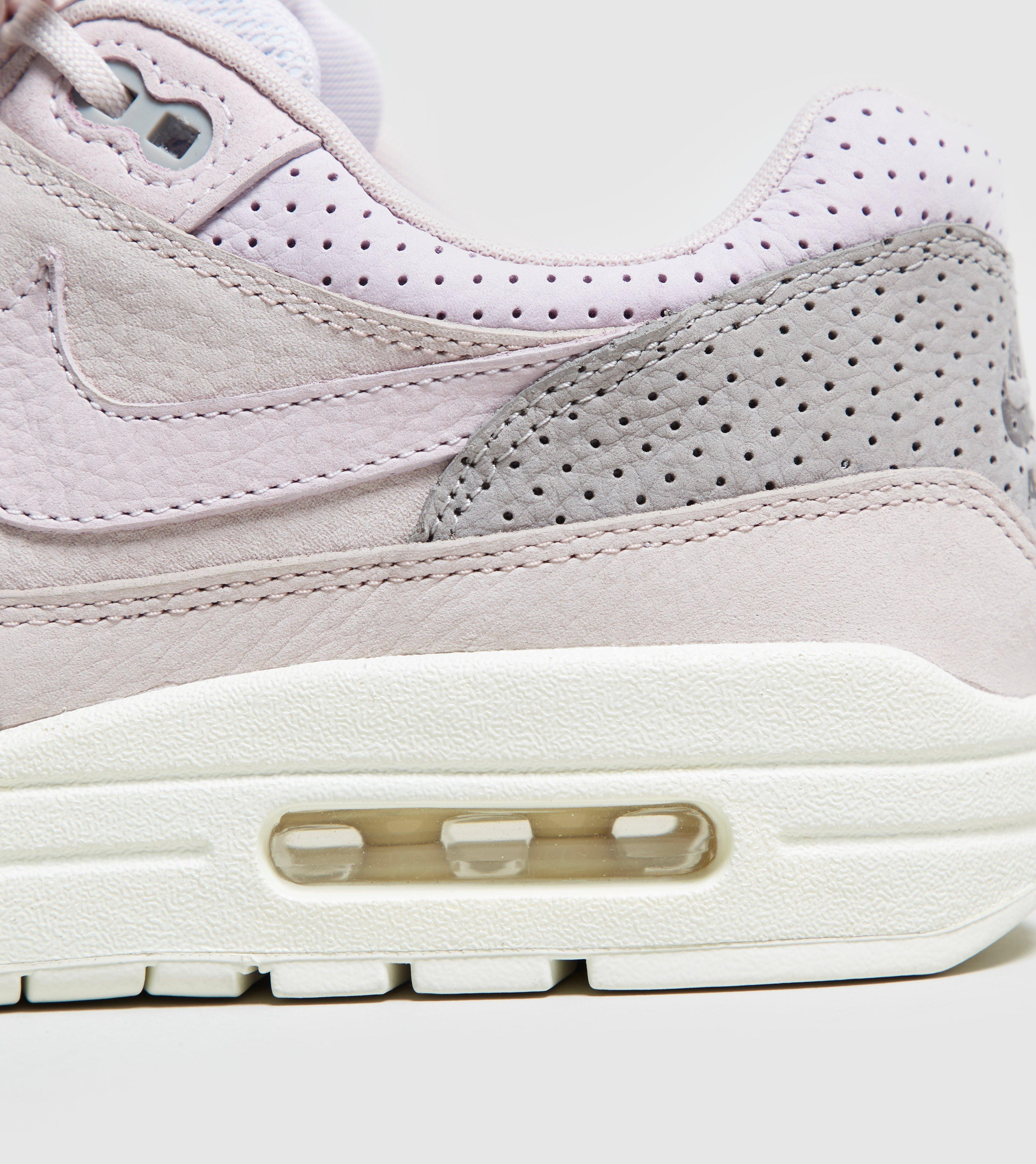 new style 8ac1d 427ca Gallery. Previously sold at Size · Womens Nike Air Max ...