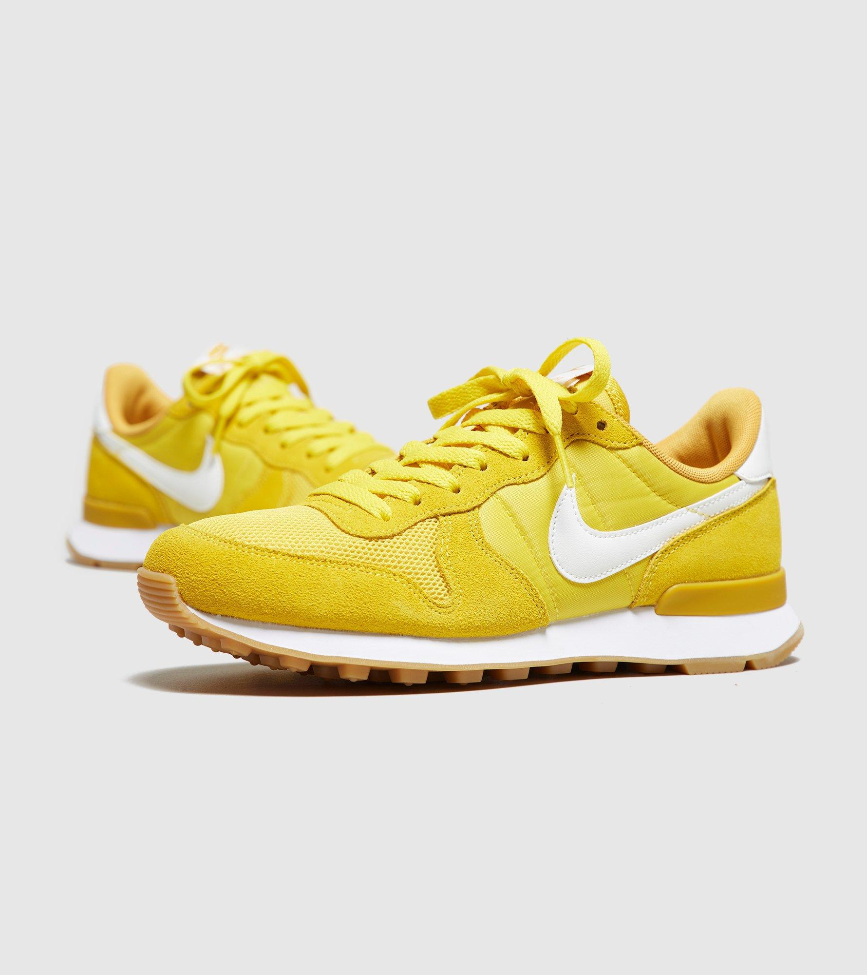 nike internationalist women yellow