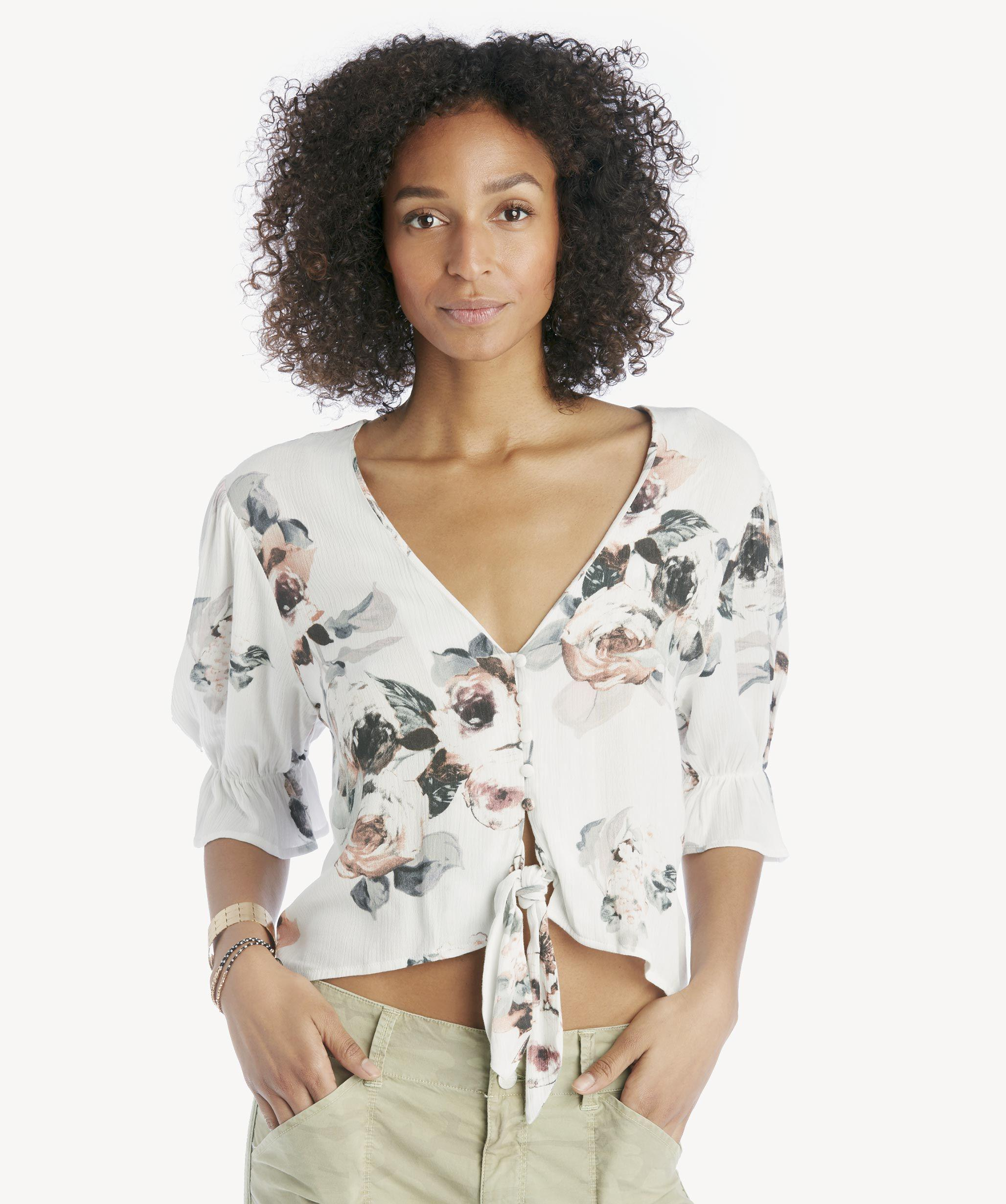 d8fe0a92ce9 Lyst - Moon River Half Sleeve Tie Waist Button Down Top in White