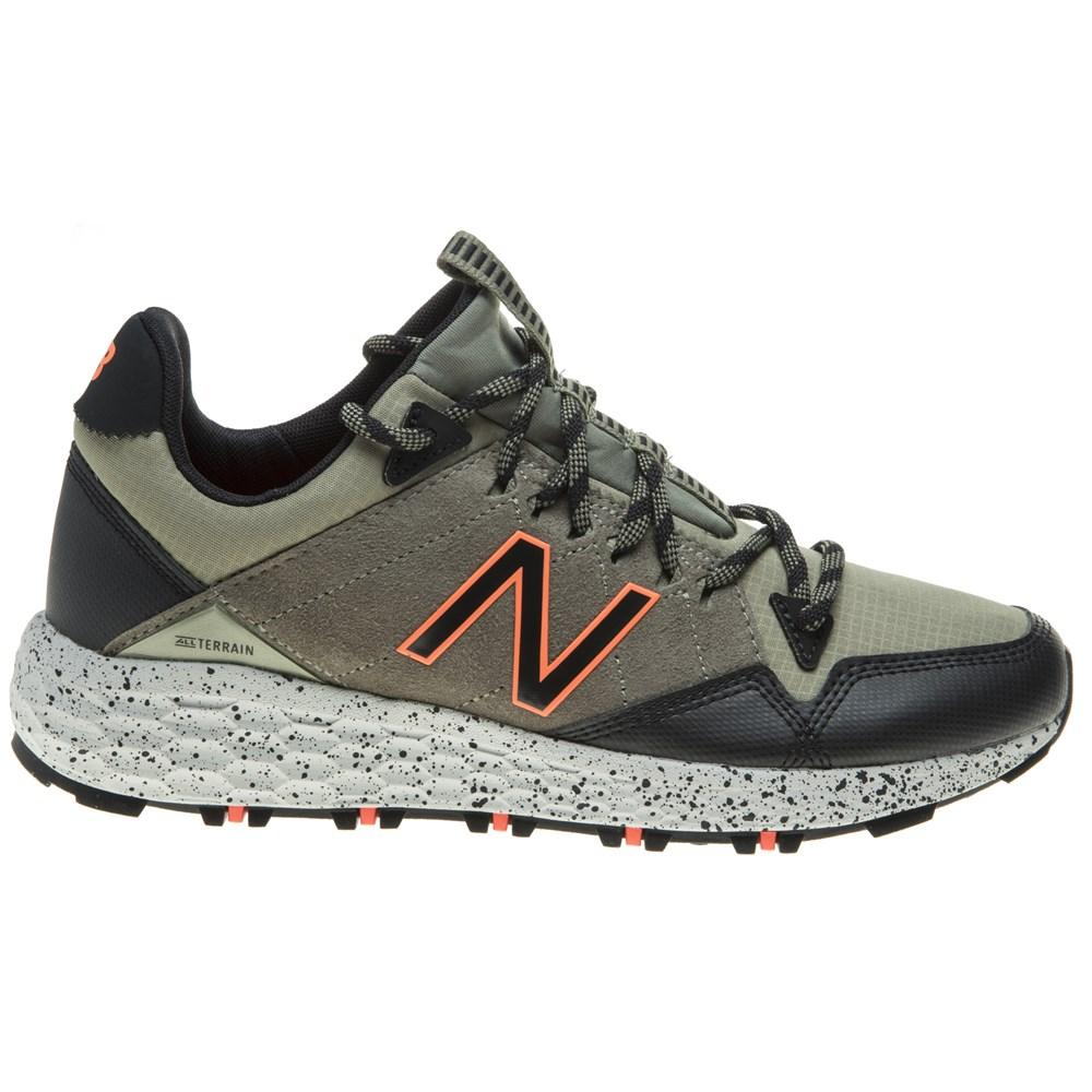 ed28221a5 New Balance Cruz Crag Trail Trainers in Green for Men - Lyst