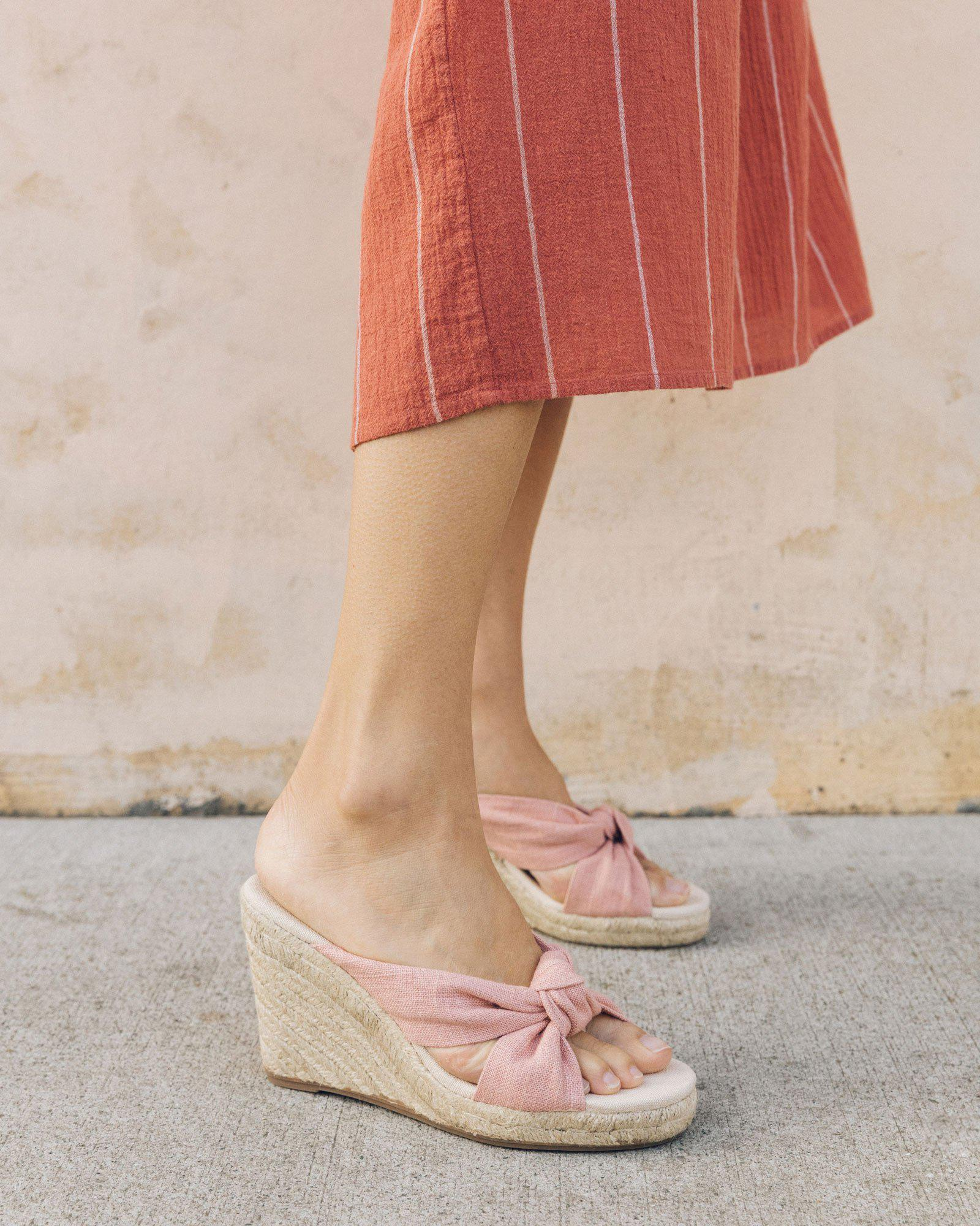 3801d1c75e6f Lyst - Soludos Knotted Wedge in Pink