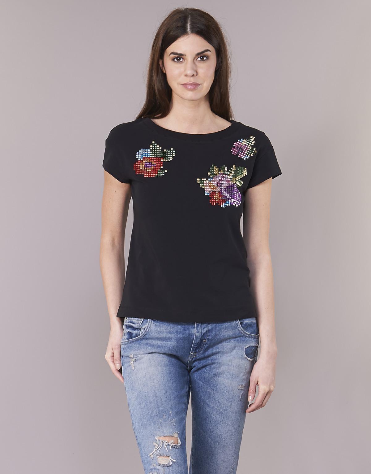 5f6a4fc3 Love Moschino W4f3051 Women's T Shirt In Black in Black - Lyst