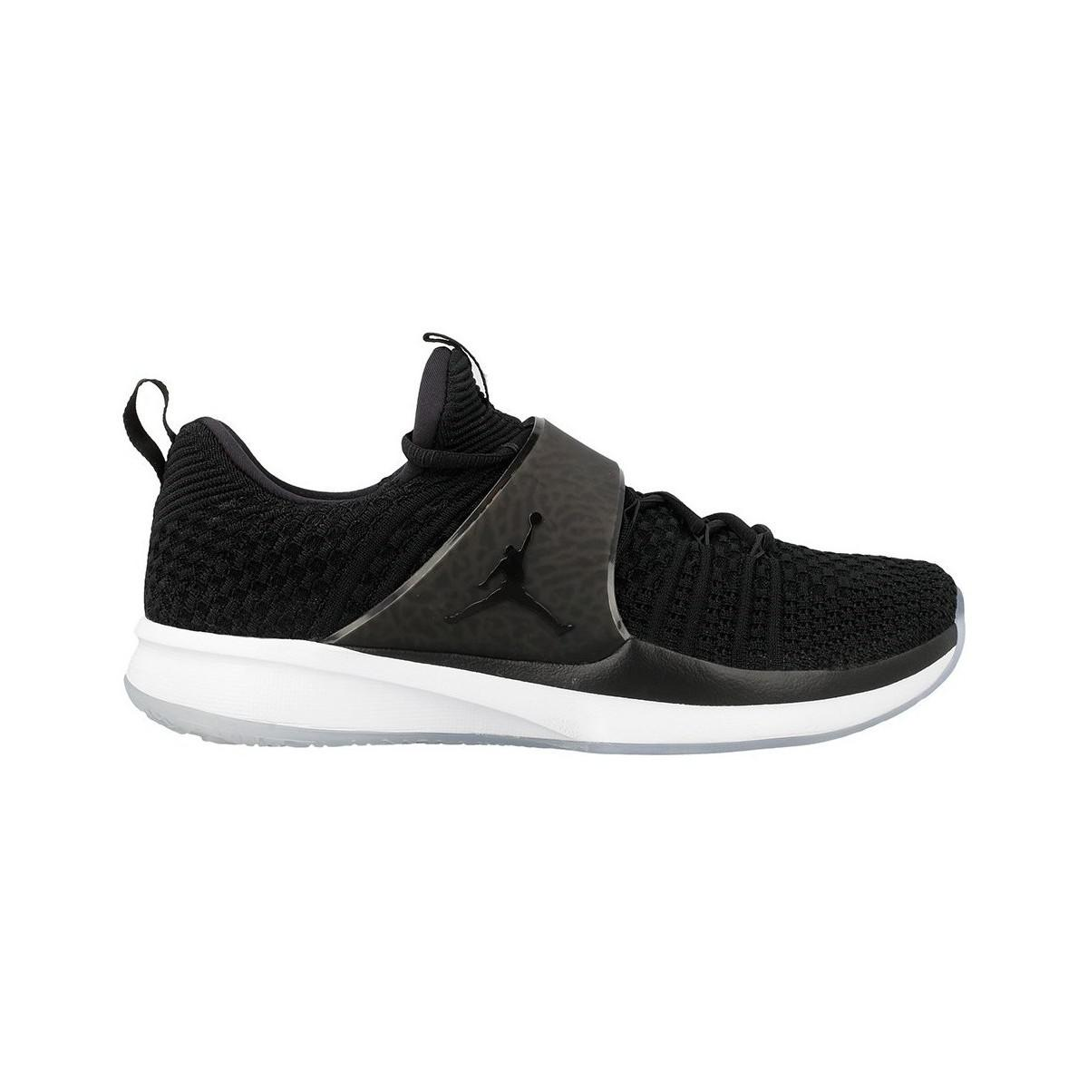 Nike - Jordan Trainer 2 Flyknit Men s Shoes (trainers) In White for Men -.  View fullscreen 086f8fc3c