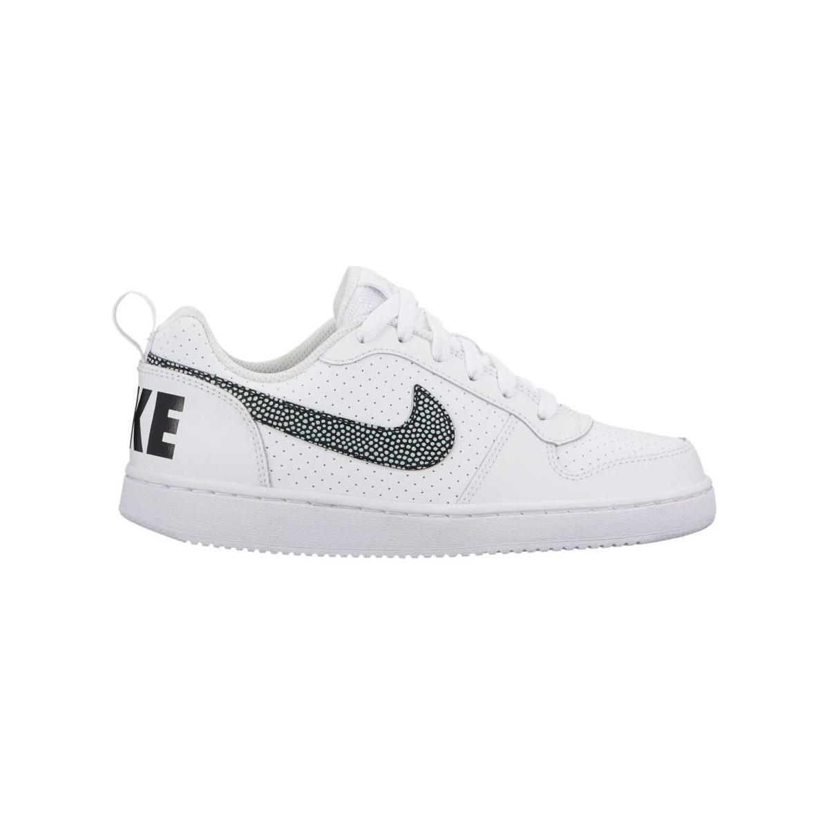 sulle immagini di piedi di scarpe da skate catturare Gymnastics Shoes Nike Boys Court Borough Low Gs
