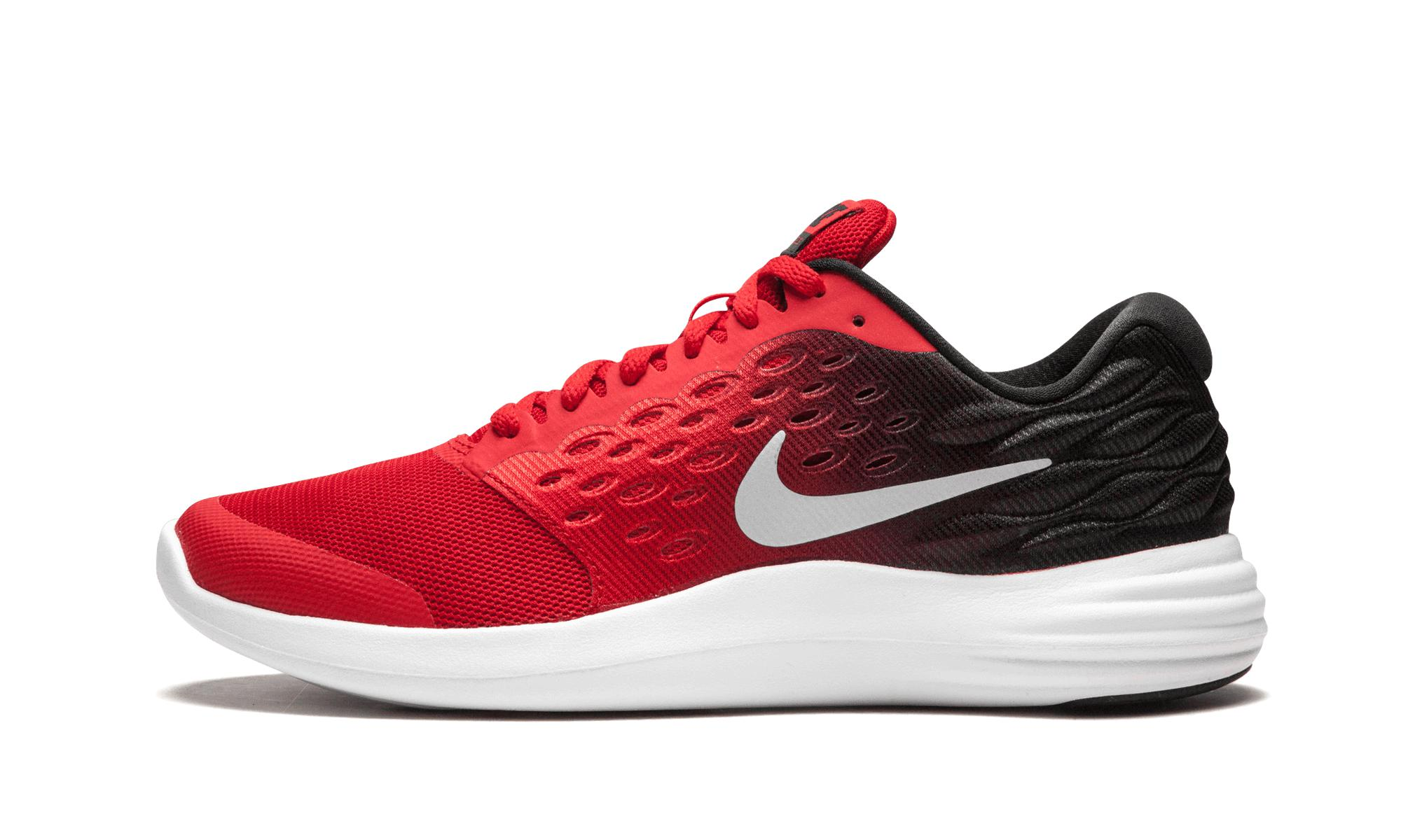 cheap for discount 6e382 3b530 Nike. Women s Red Lunarstelos