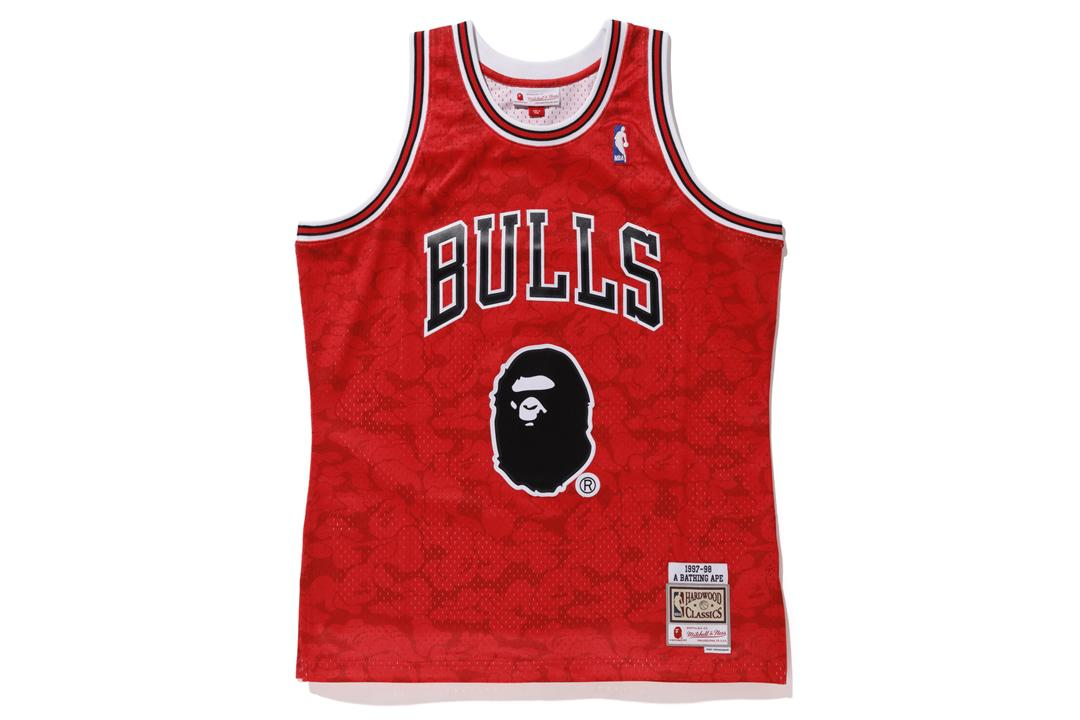 fb110135634 A Bathing Ape. Men s X Mitchell   Ness Bulls Abc Basketball Swingman Jersey  Red