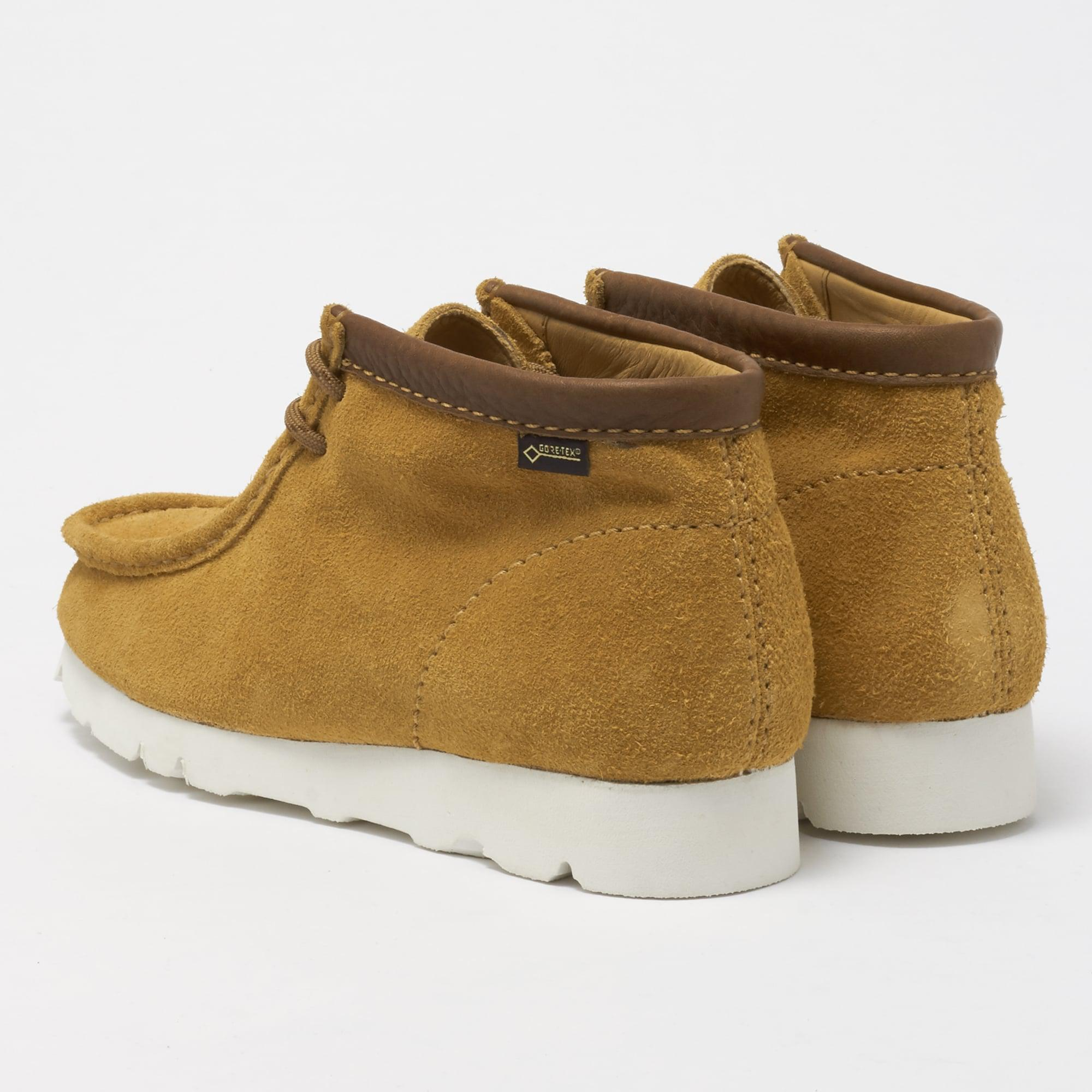 Lyst Clarks Ochre Gtx Suede Wallabee Boot For Men