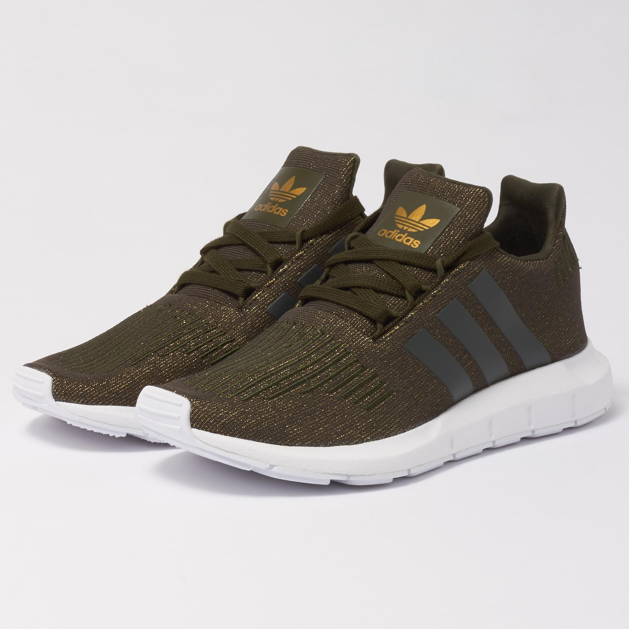 5bc0cb50e adidas Originals Wmns Swift Run Trainers - Night Cargo in Green for ...