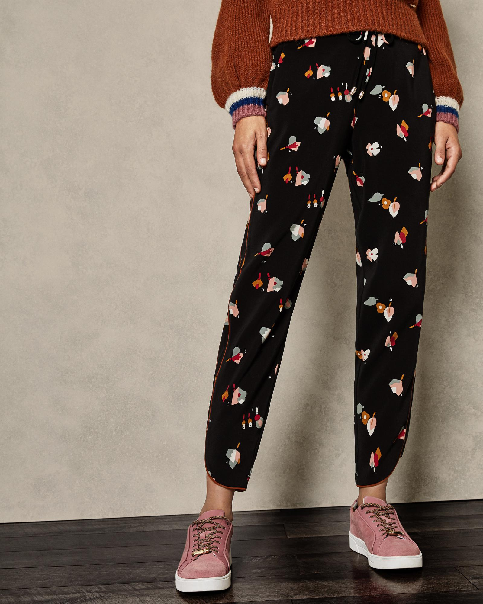 c120d186b87b Ted Baker Floral Printed Joggers in Black - Lyst
